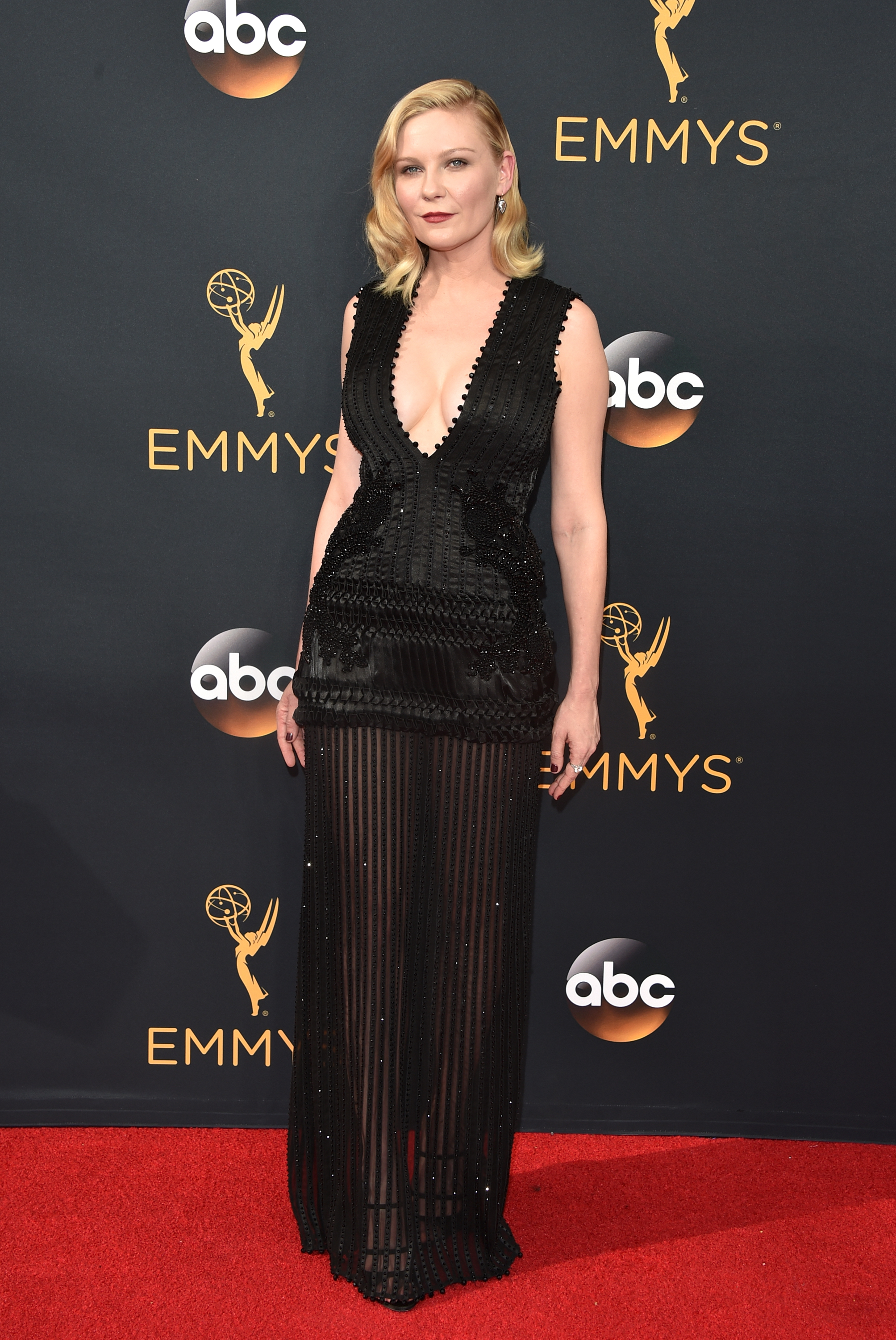 Kirsten Dunst arrives at the 68th Annual Primetime Emmy Awards at Microsoft Theater on Sept. 18, 2016 in Los Angeles.