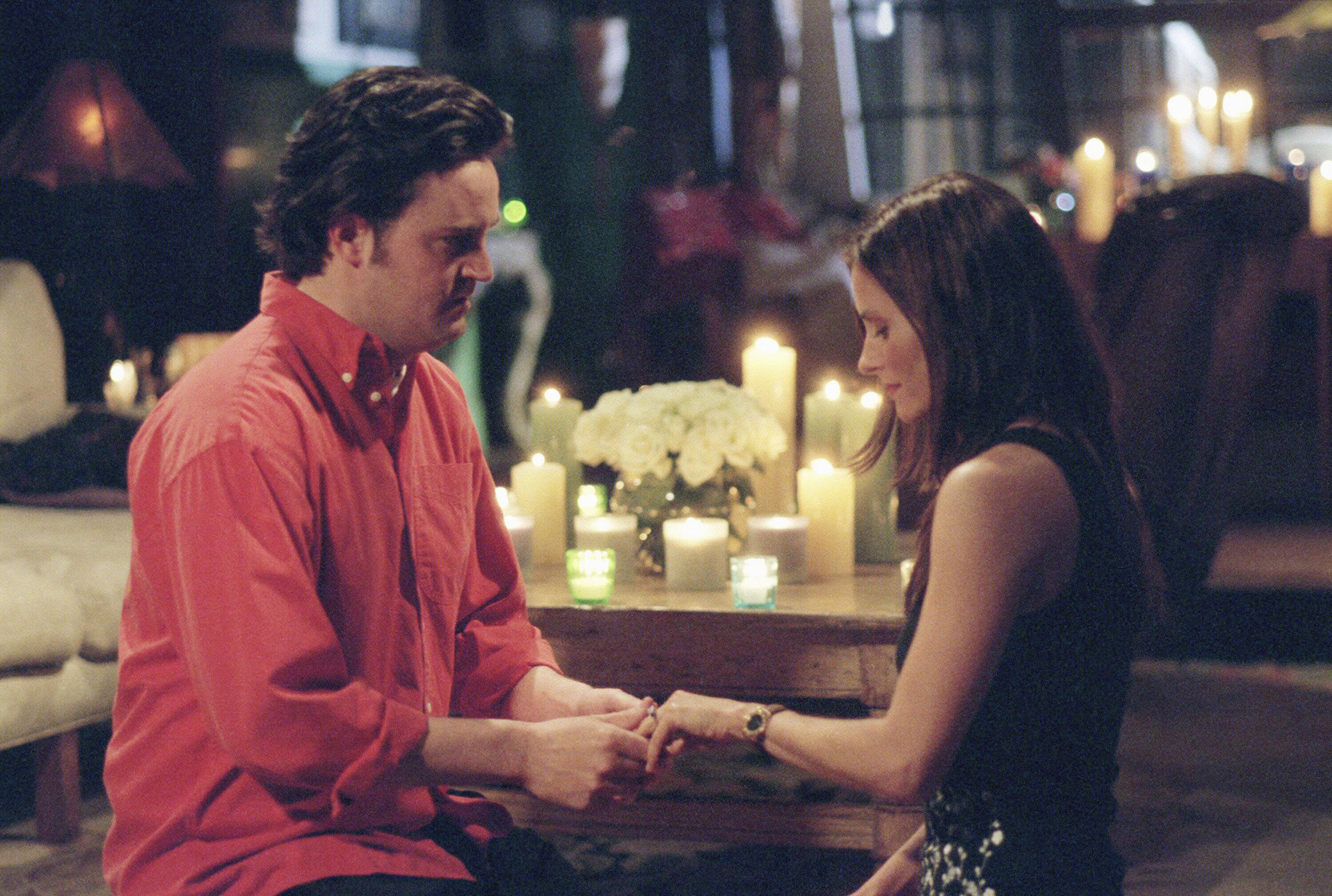 The One With The Proposal Part II  -- Episode 25 -- Aired 05/18/2000 -- Pictured: (l-r) Matthew Perry as Chandler Bing, Courteney Cox as Monica Geller -- Photo by: NBCU Photo Bank