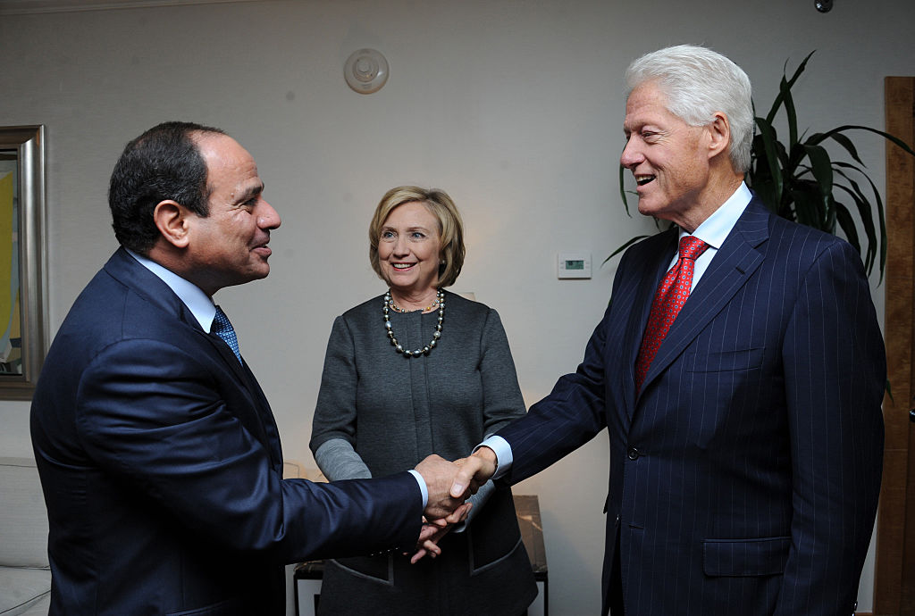 Egyptian President Abdel Fattah el-Sisi (left), in the United States for the 69th Session of the UN General Assembly, meets with Former U.S. President Bill Clinton and former US Secretary of State Hillary Clinton in New York on Sept. 22, 2014.