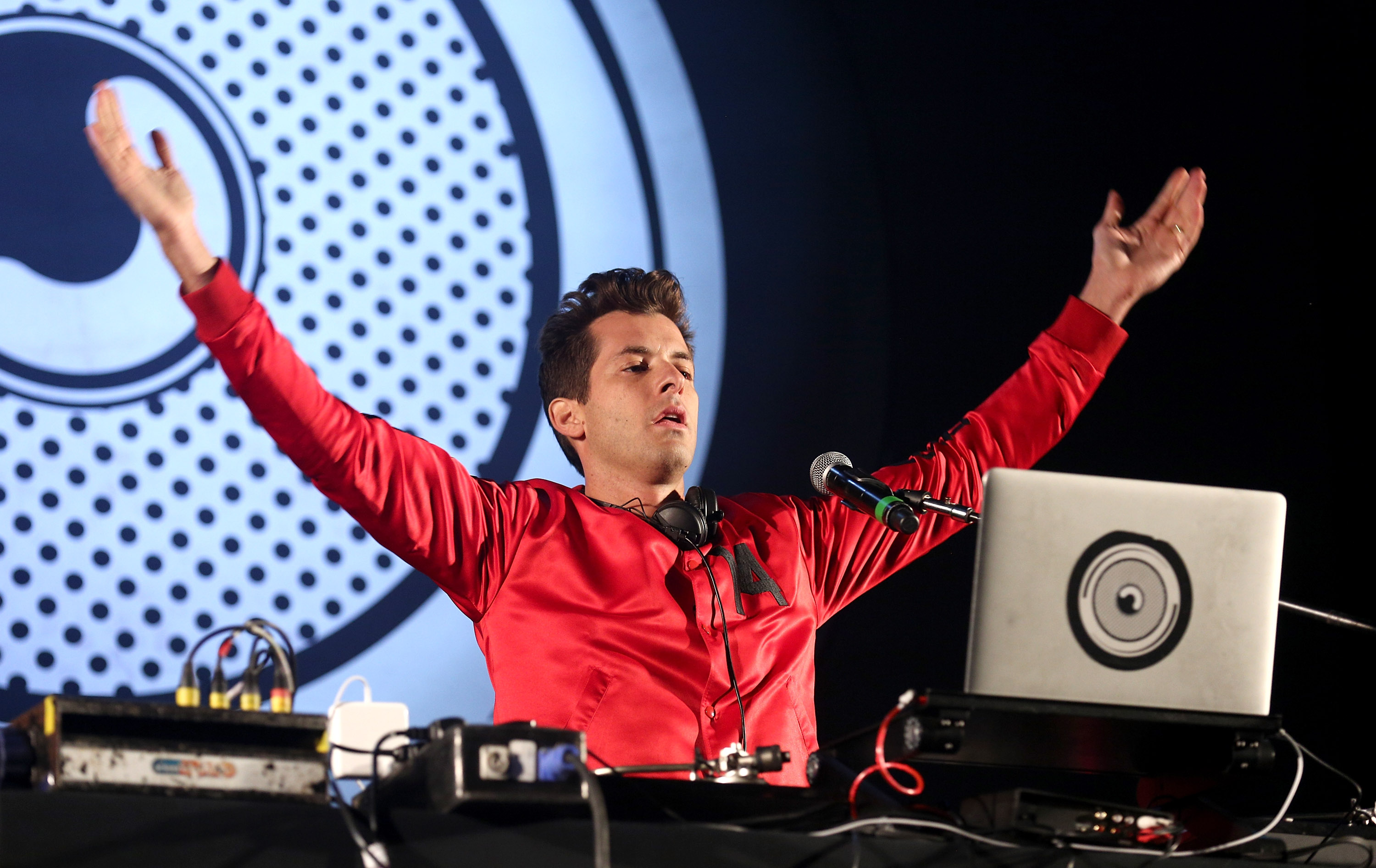 Mark Ronson performs in Oxfordshire on August 26, 2016