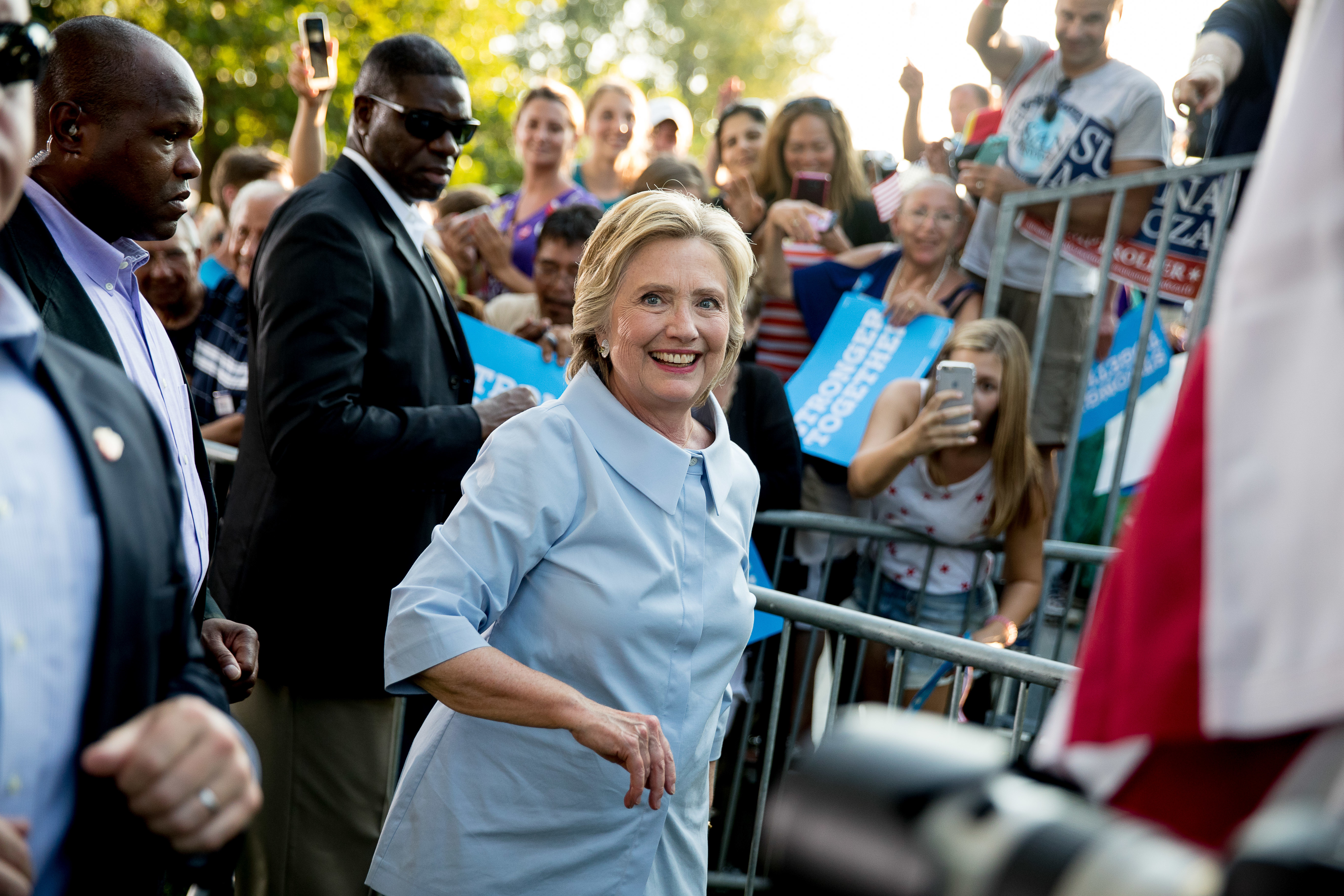 Hillary Clinton departs after speaking at Illiniwek Park Riverfront in Hampton, IL, on Sept. 5, 2016.