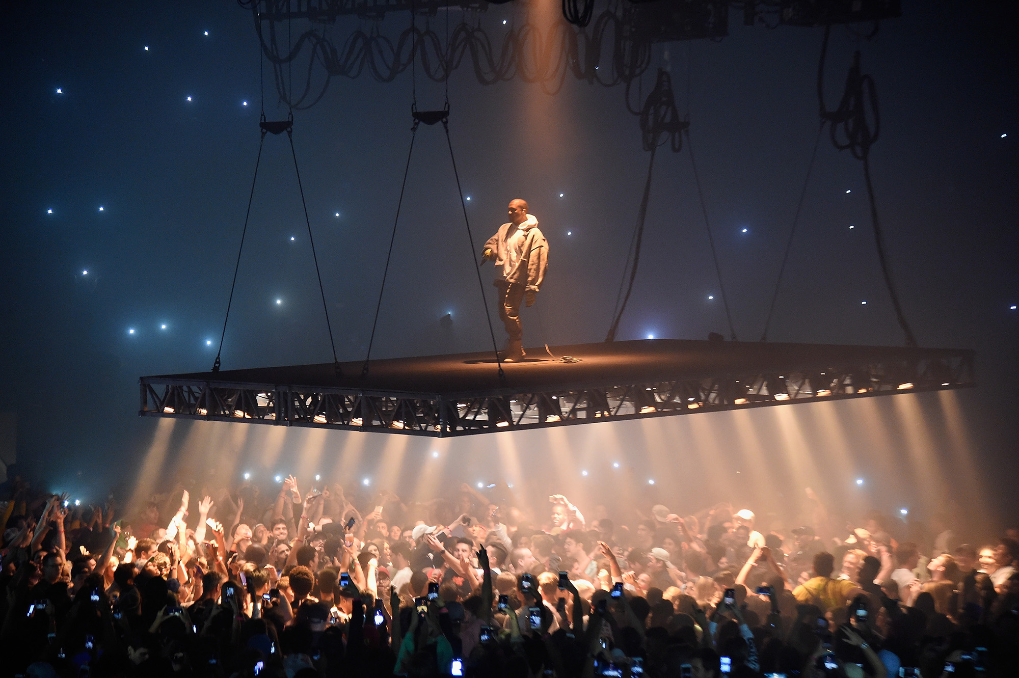 Kanye West performs during The Saint Pablo Tour at Madison Square Garden on September 5, 2016 in New York City.  (Photo by Kevin Mazur/Getty Images)