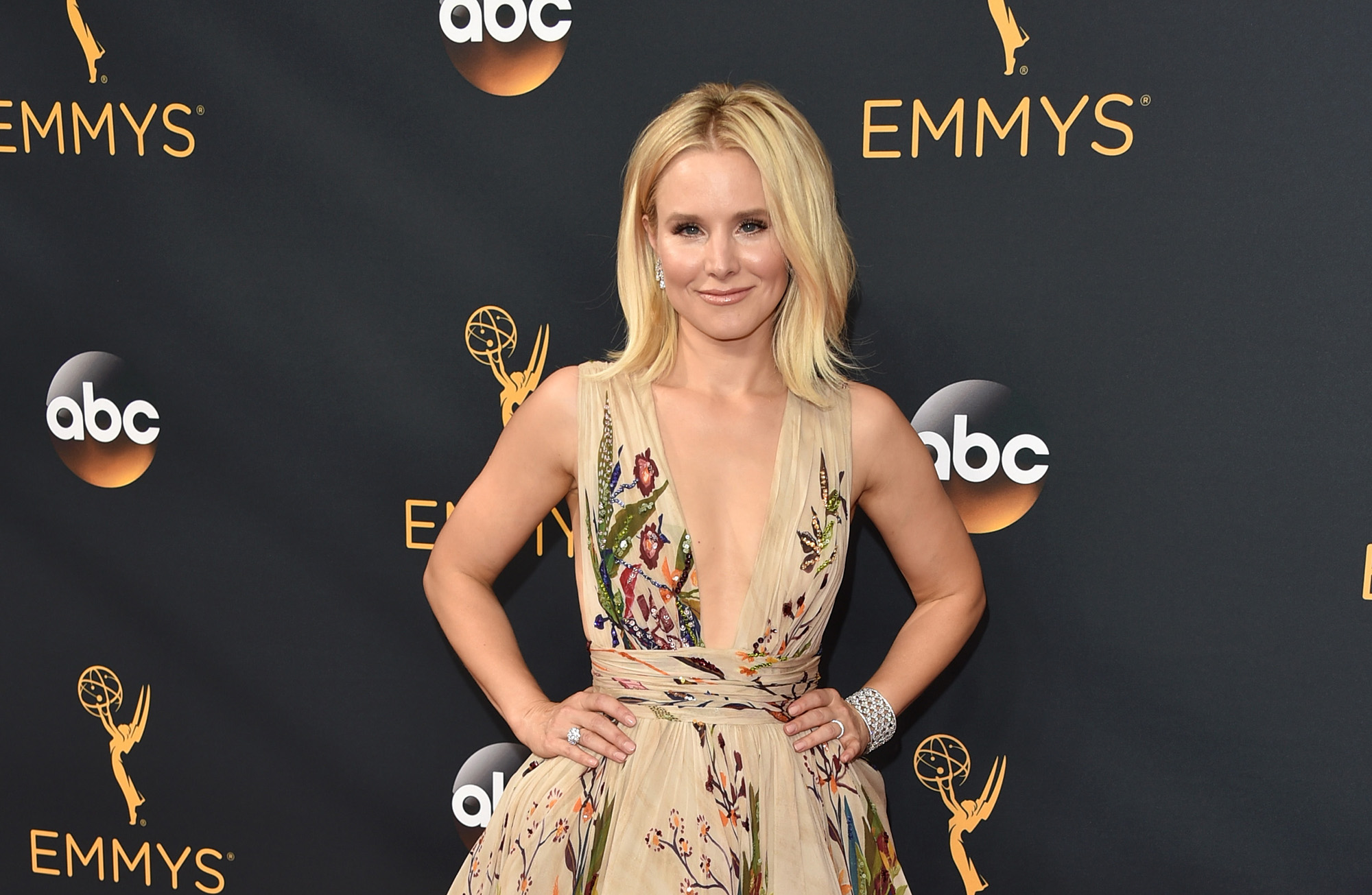 Kristen Bell arrives at the 68th Annual Primetime Emmy Awards at Microsoft Theater on September 18, 2016 in Los Angeles, California.  (Photo by John Shearer/WireImage)