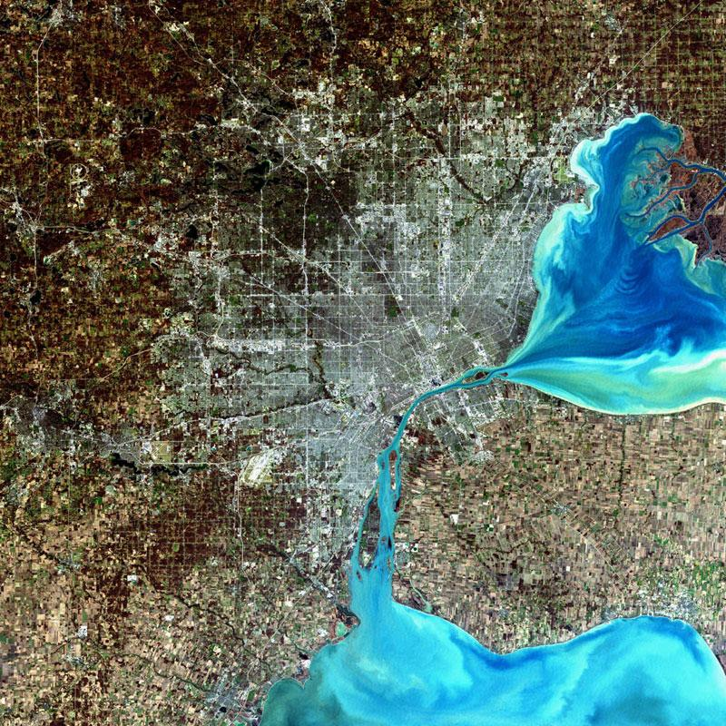 Detroit, Michigan, USALandsat 7 captured this image of the largest city in Michigan on Dec. 11, 2001.