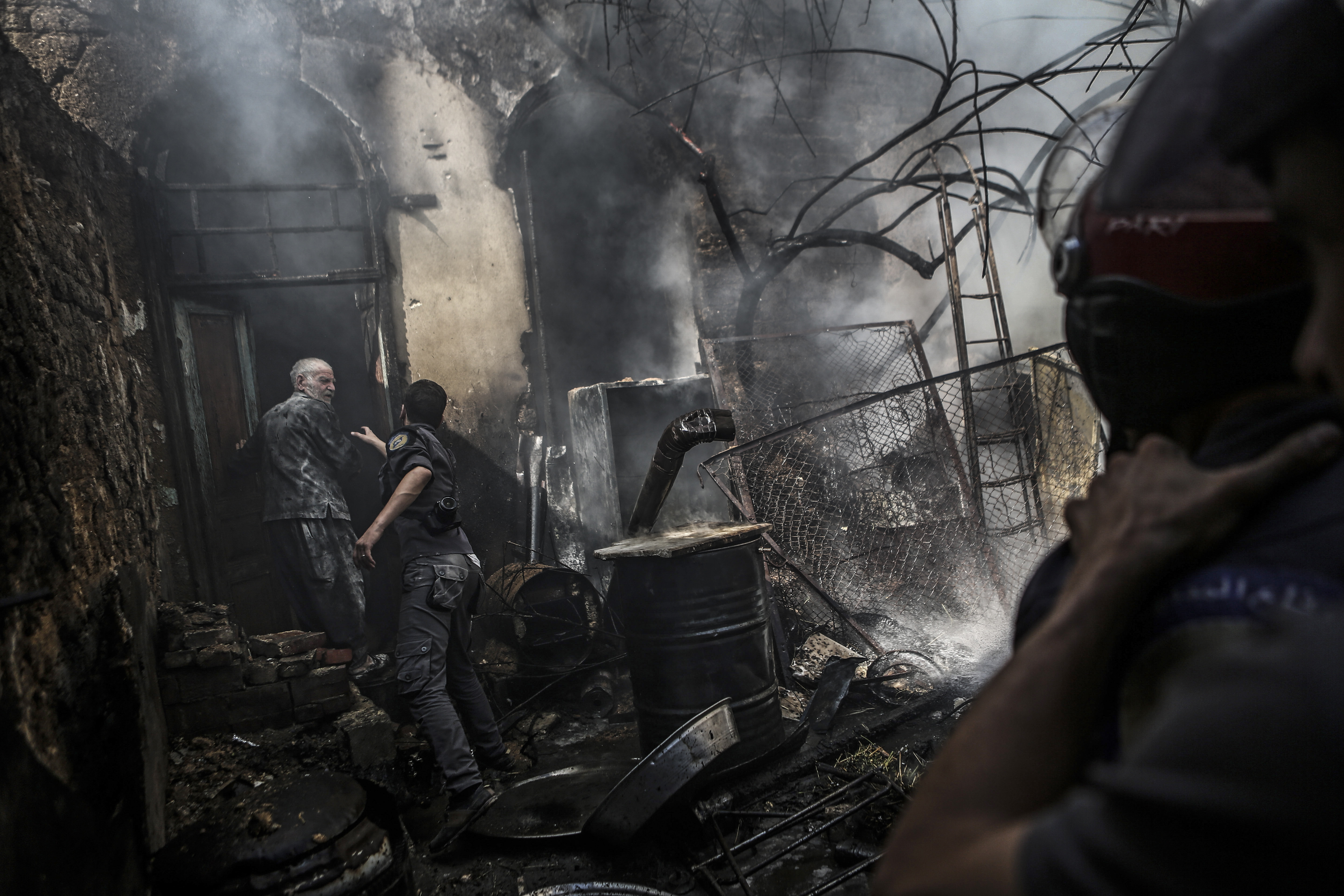 Syria White Helmets Rescue Workers Protect Aleppo