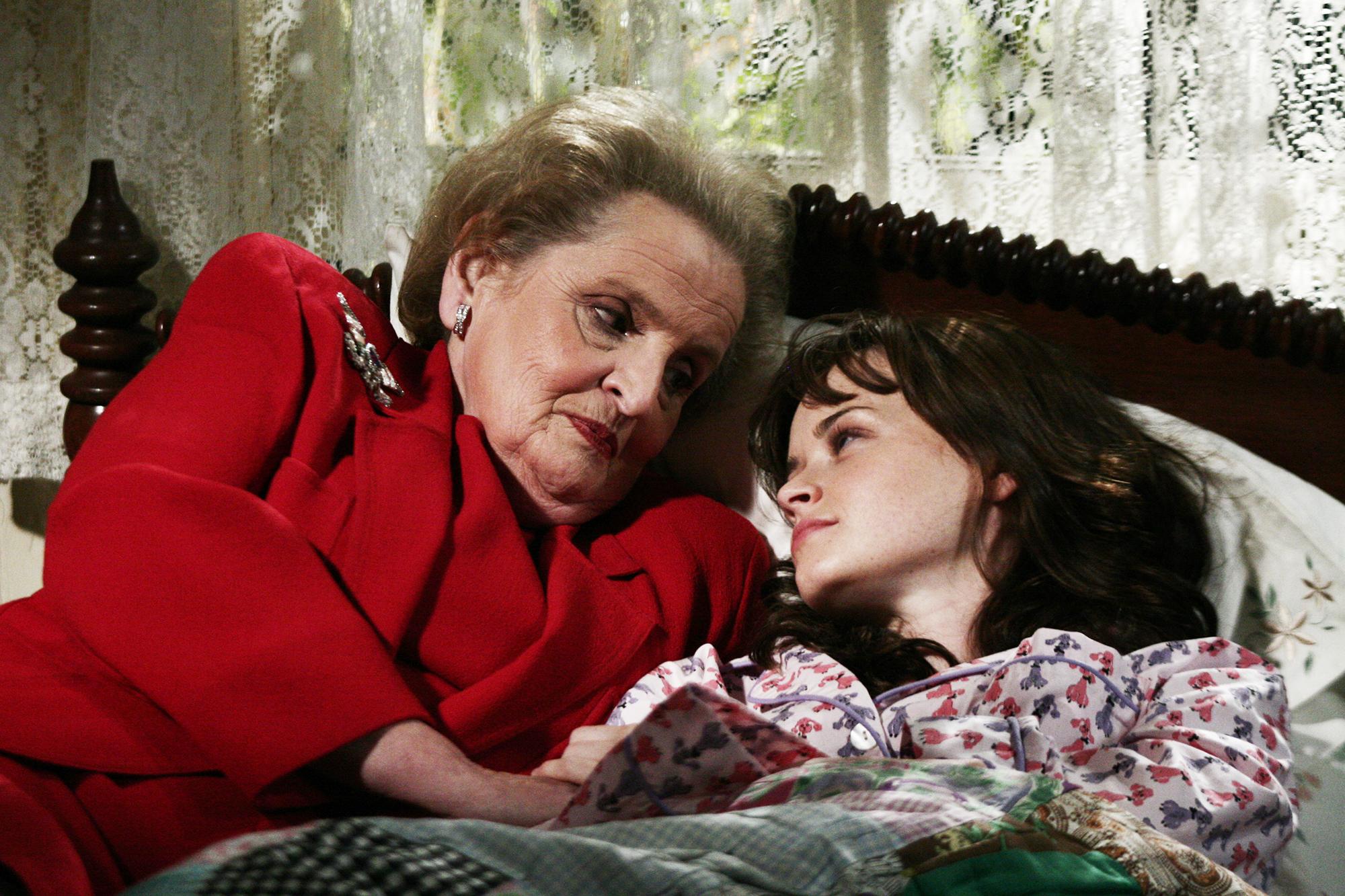 Former Secretary of State Madeleine Albright and Alexis Bledel on Gilmore Girls, 2005.
