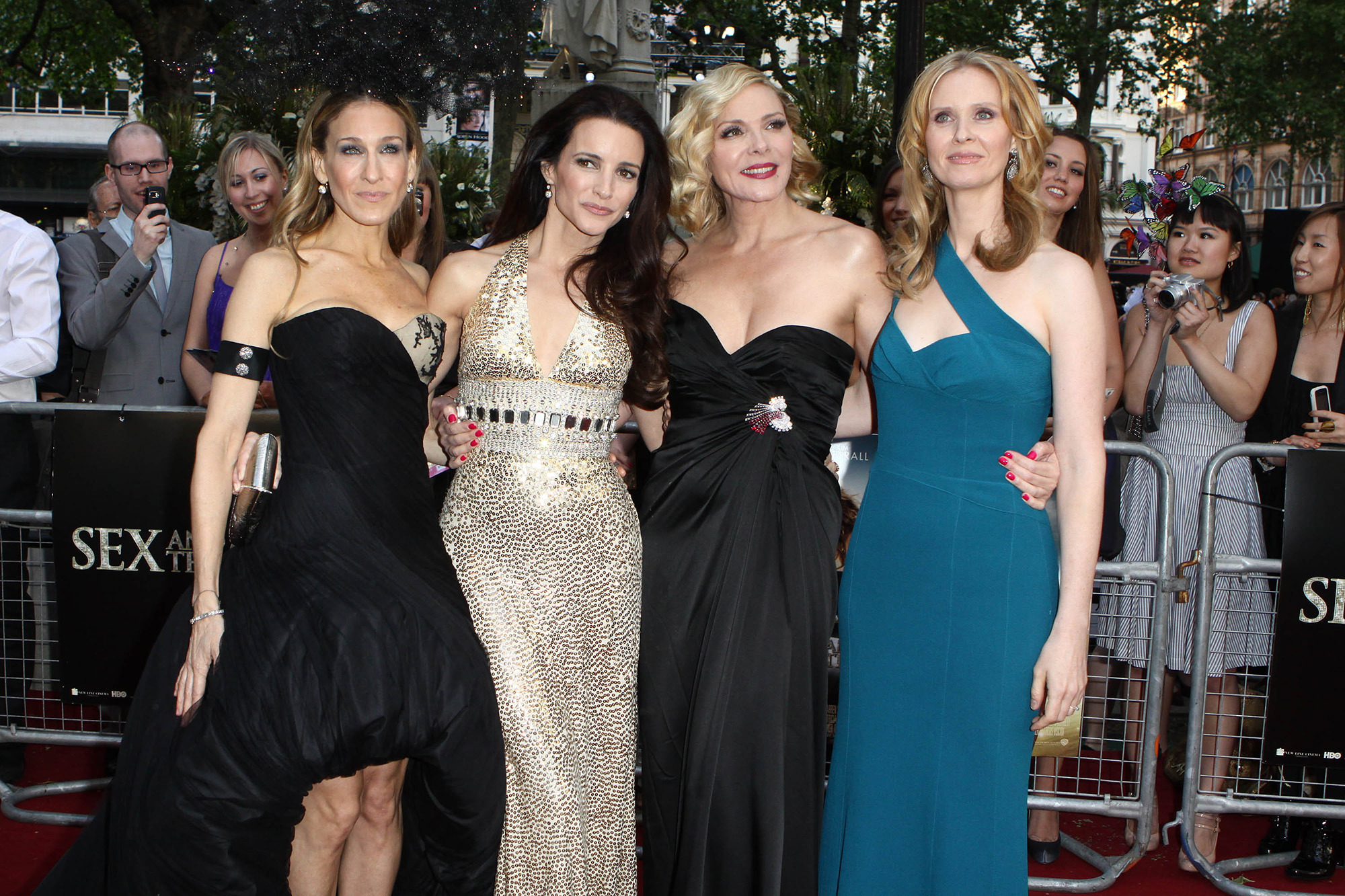 Sarah Jessica Parker, Kristin Davis, Kim Cattrall and Cynthia Nixon attends the UK premiere of Sex And The City 2 at Odeon Leicester Square on May 27, 2010 in London, England. (Photo by Fred Duval/FilmMagic)