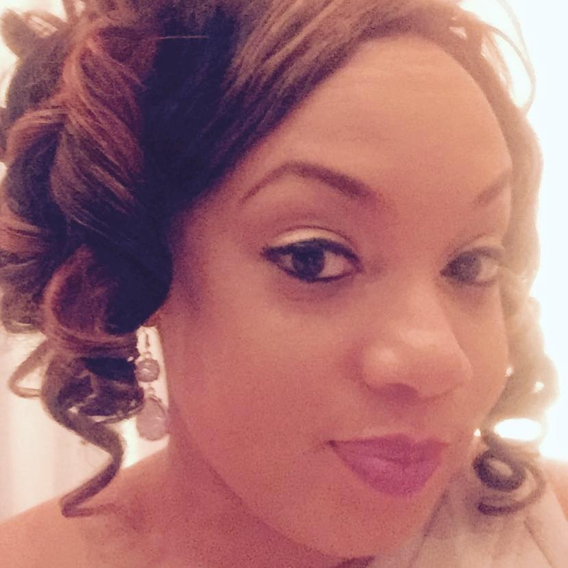 Female Black Doctor Says Flight Attendant Blocked Her From Helping a Sick Passenger.