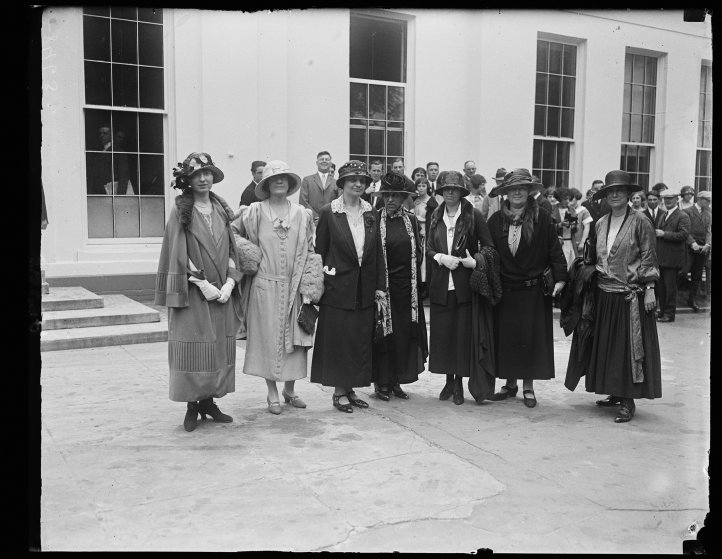 1924Prominent Republican women call on Pres. to discuss the part of women will play in the coming election. Lft to rt.: Miss Lucille Atcherson, State Dept., Mrs. B.P. Bruggmann, US Compensation Comm., Miss Mabel W. Willebrandt, Asst. Atty. Gen.; Mrs. Mary Anderson, Chmn., Woman's Bur., Labor Dept.; Miss Anne Webster, Chmn. Nat'l League of Women Voters; Miss Julia Lathrop, 1st Vice-Chmn., Nat'l League Women Voters; Miss Grace Abbott, Head Children's Bur., Labor Dept. [White House, Washington, D.C.]