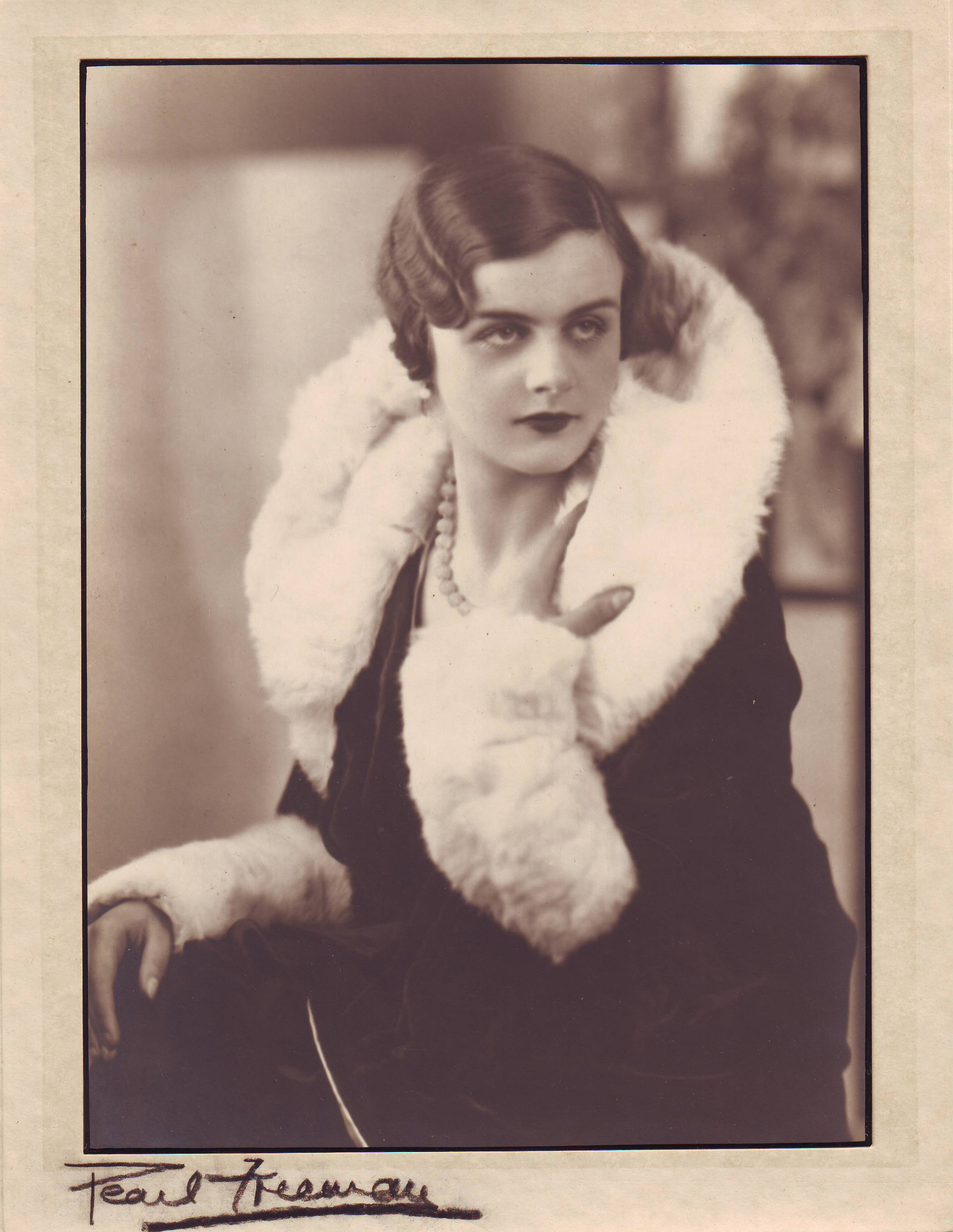 Clare Hollingworth, thought to be on her 21st birthday, in 1932