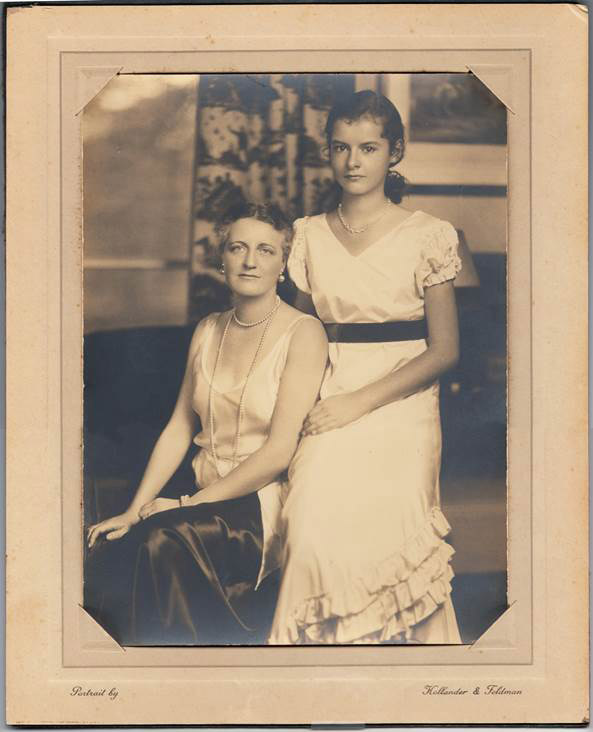 Passport photo of Margaret Yardley Potter and her daughter. Undated.