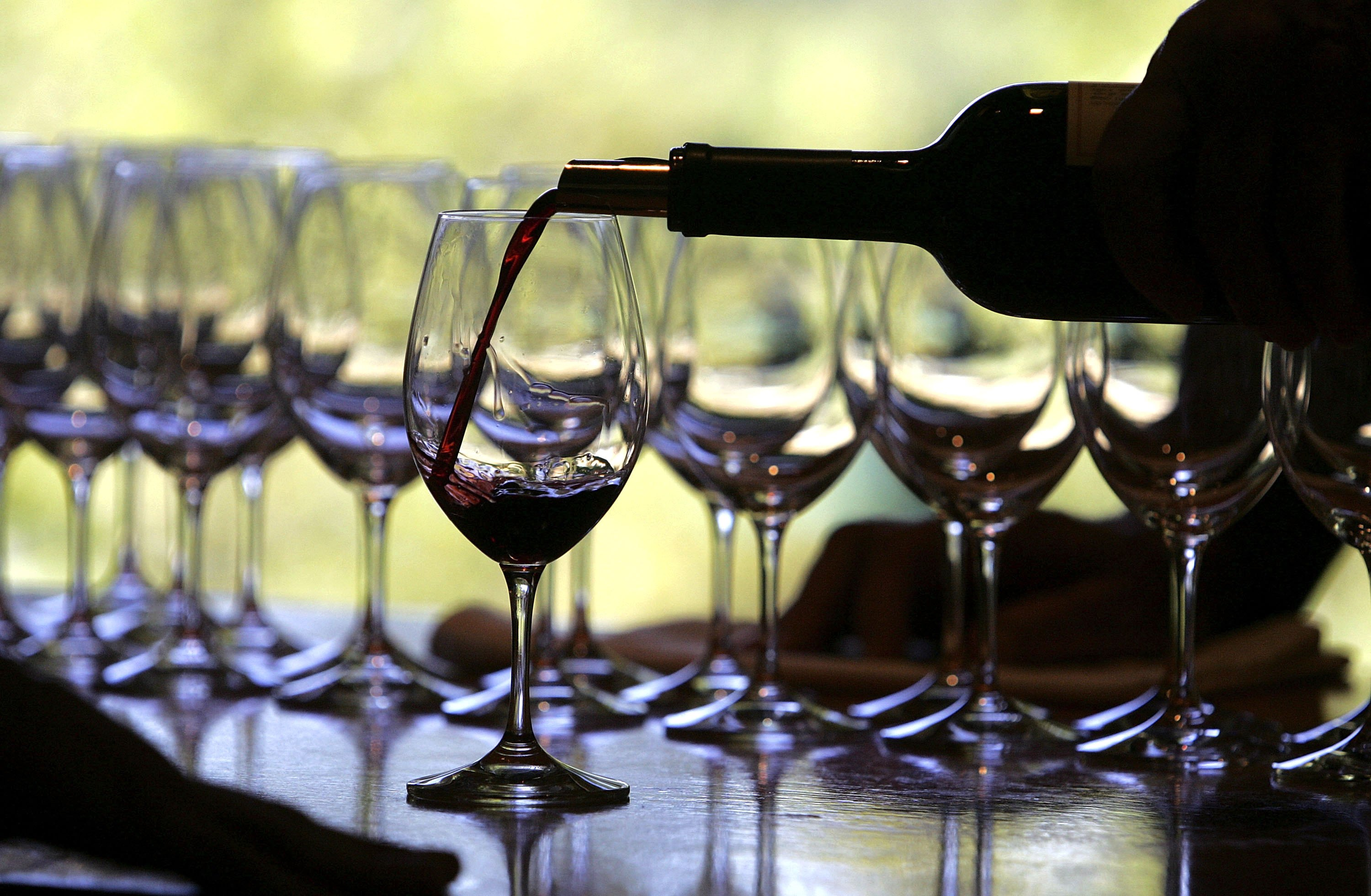 The International Organisation of Vine and Wine estimates a global decrease in wine production in 2016.