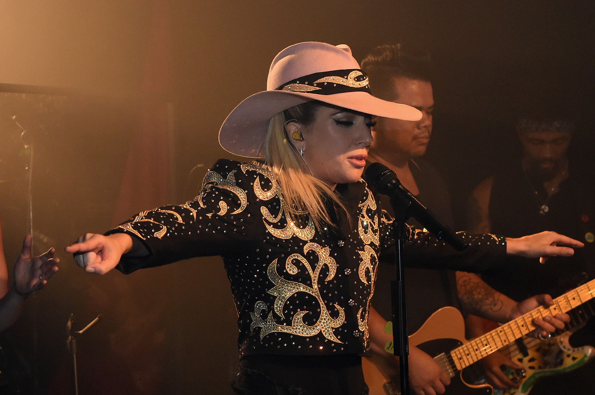 Lady Gaga surprises fans while on the Bud Light x Lady Gaga Dive Bar Tour at the 5 Spot where the singer performed three new tracks off her upcoming album  Joanne  on October 05, 2016 in Nashville, Tennessee.  (Photo by Rick Diamond/Getty Images for Bud Light)