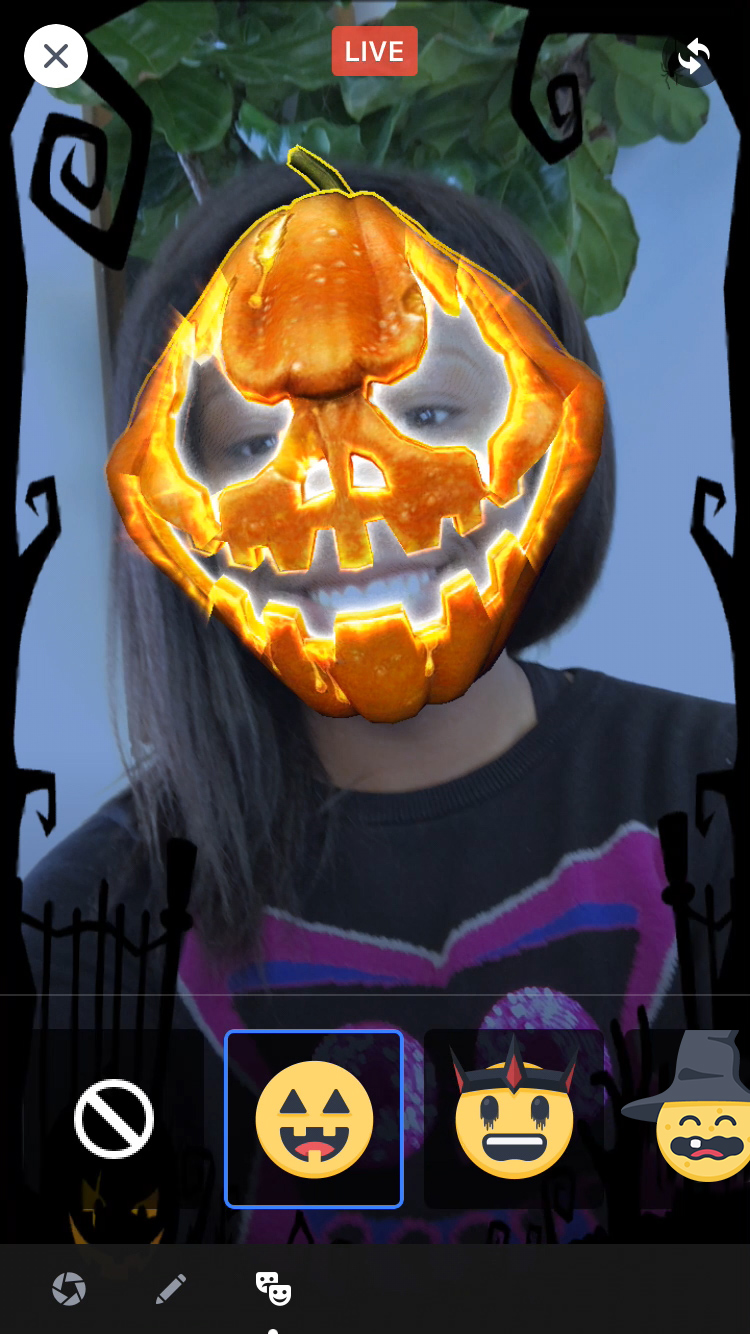 Facebook users will be able to get into the Halloween spirit thanks to two new features.