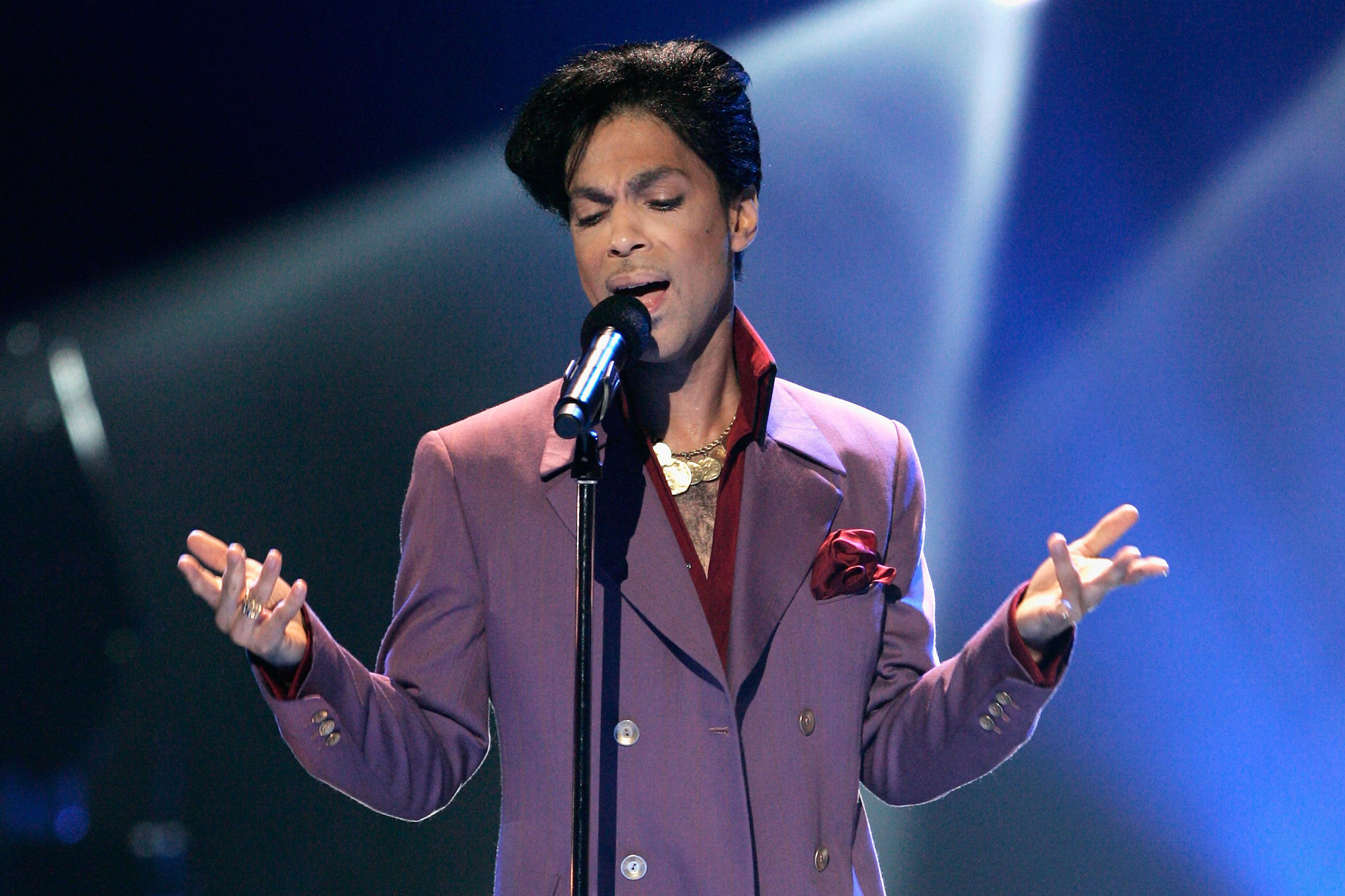 Prince performs onstage during the American Idol Season 5 Finale at the Kodak Theatre in Hollywood, California, on on May 24, 2006.