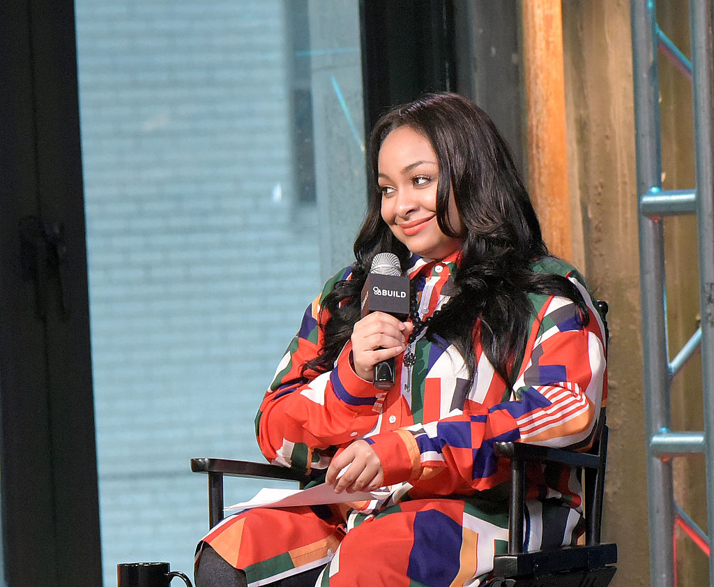 Raven-Symone attends The Build Series to discuss  Chopped  with chef Alex Guarnaschelli at AOL HQ on October 21, 2016 in New York City.