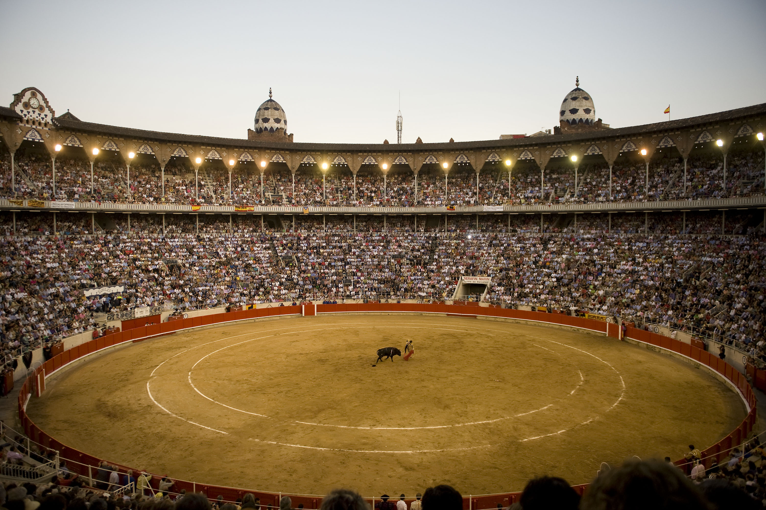 Bullfighter Jose Tomas performs during the last bullfight at the La Monumental on September 25, 2011 in Barcelona, Spain, following the vote by the Catalan regional Parliament to ban bullfighting.