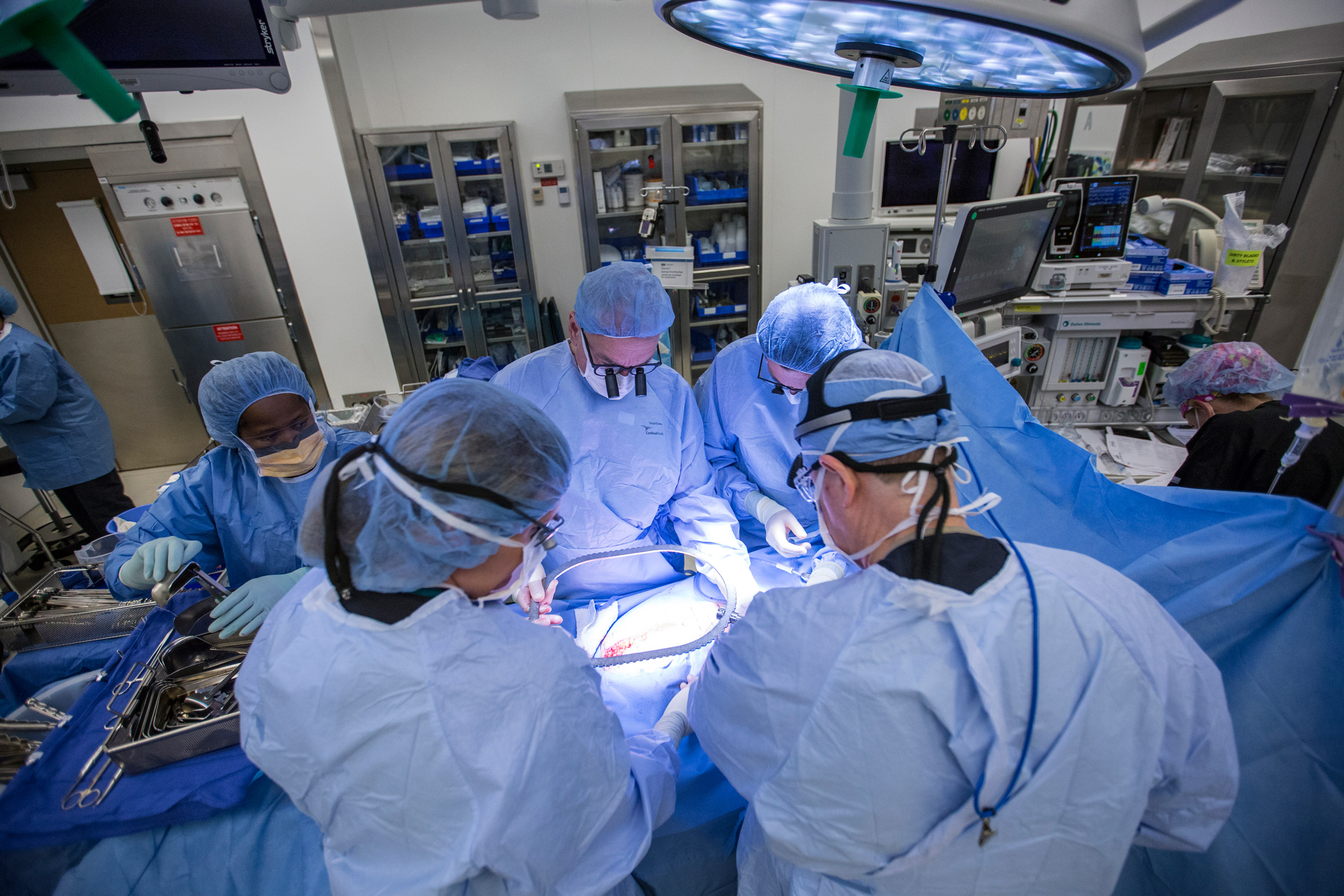 From left to right: Dr. Greg McKenna, Dr. Giuliano Testa, Dr. E. Colin Koon, and Dr. Liza Johannesson perform a womb transplant surgery at Baylor University Medical Center on Sept. 14, 2016.