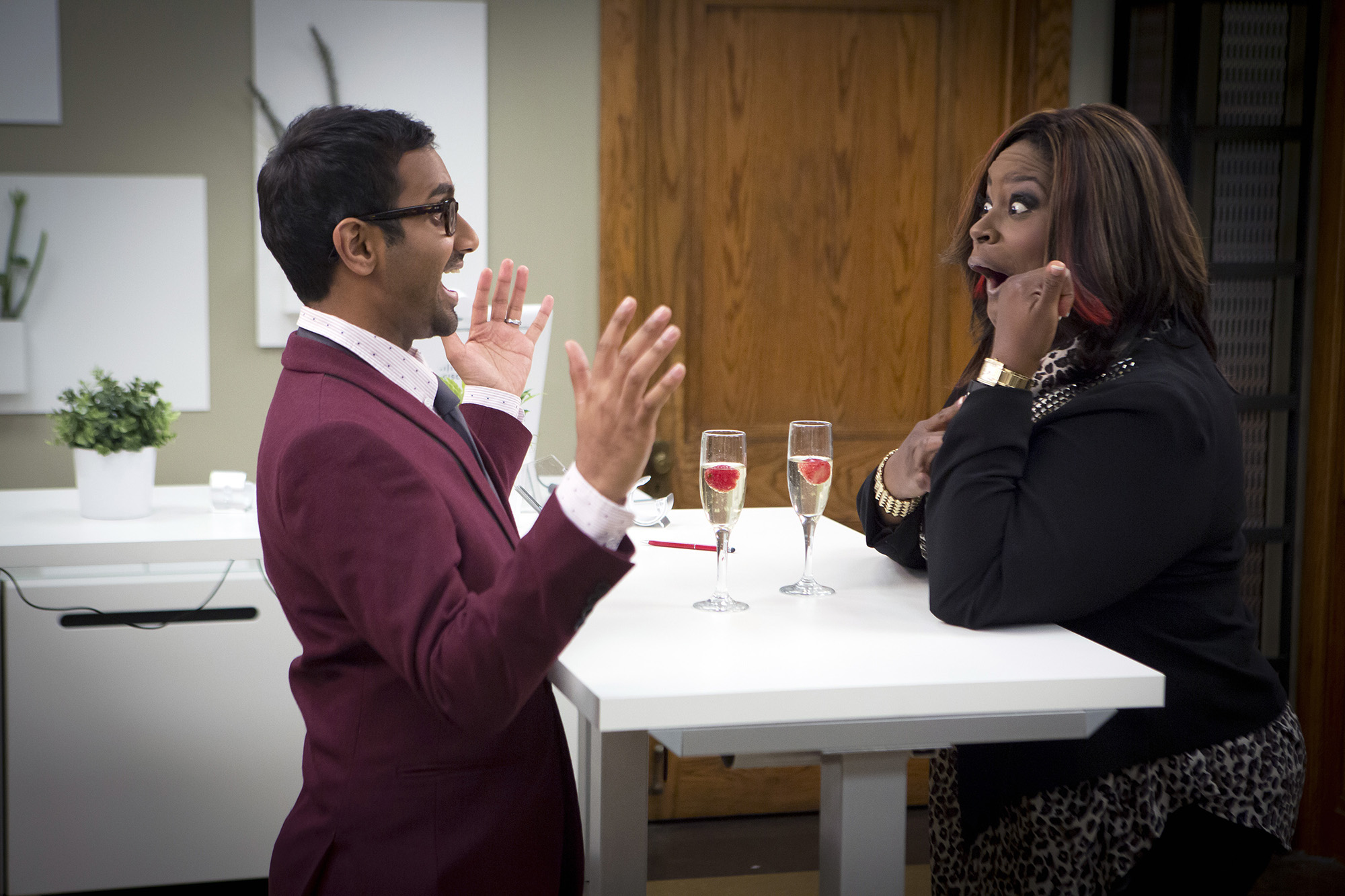 Aziz Ansari as Tom Haverford, Retta as Donna Meagle -- (Photo by: Paul Drinkwater/NBC/NBCU Photo Bank via Getty Images)