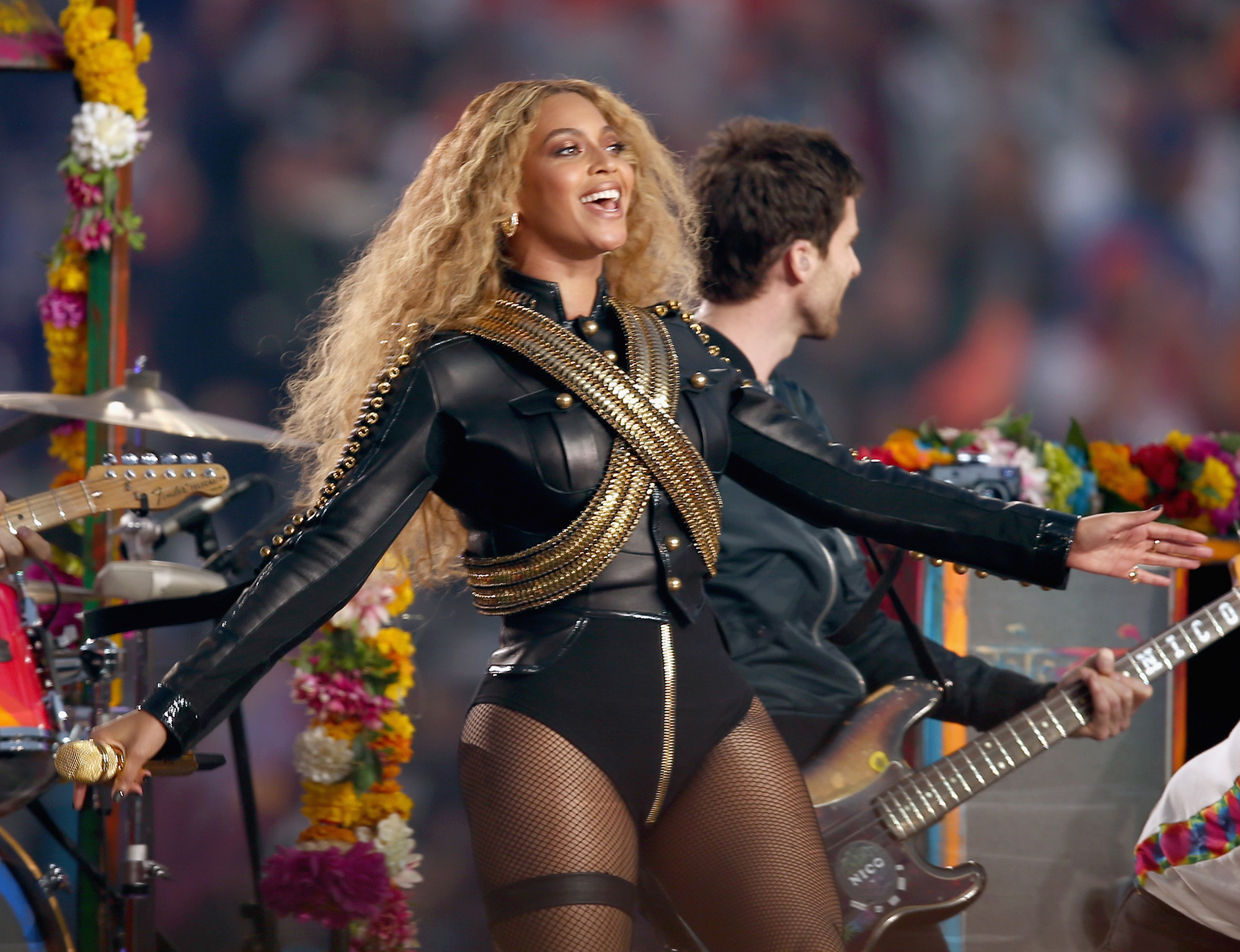 Beyonce (R) performs onstage during the Pepsi Super Bowl 50 Halftime Show at Levi's Stadium on February 7, 2016 in Santa Clara, California.  (Photo by Matt Cowan/Getty Images)