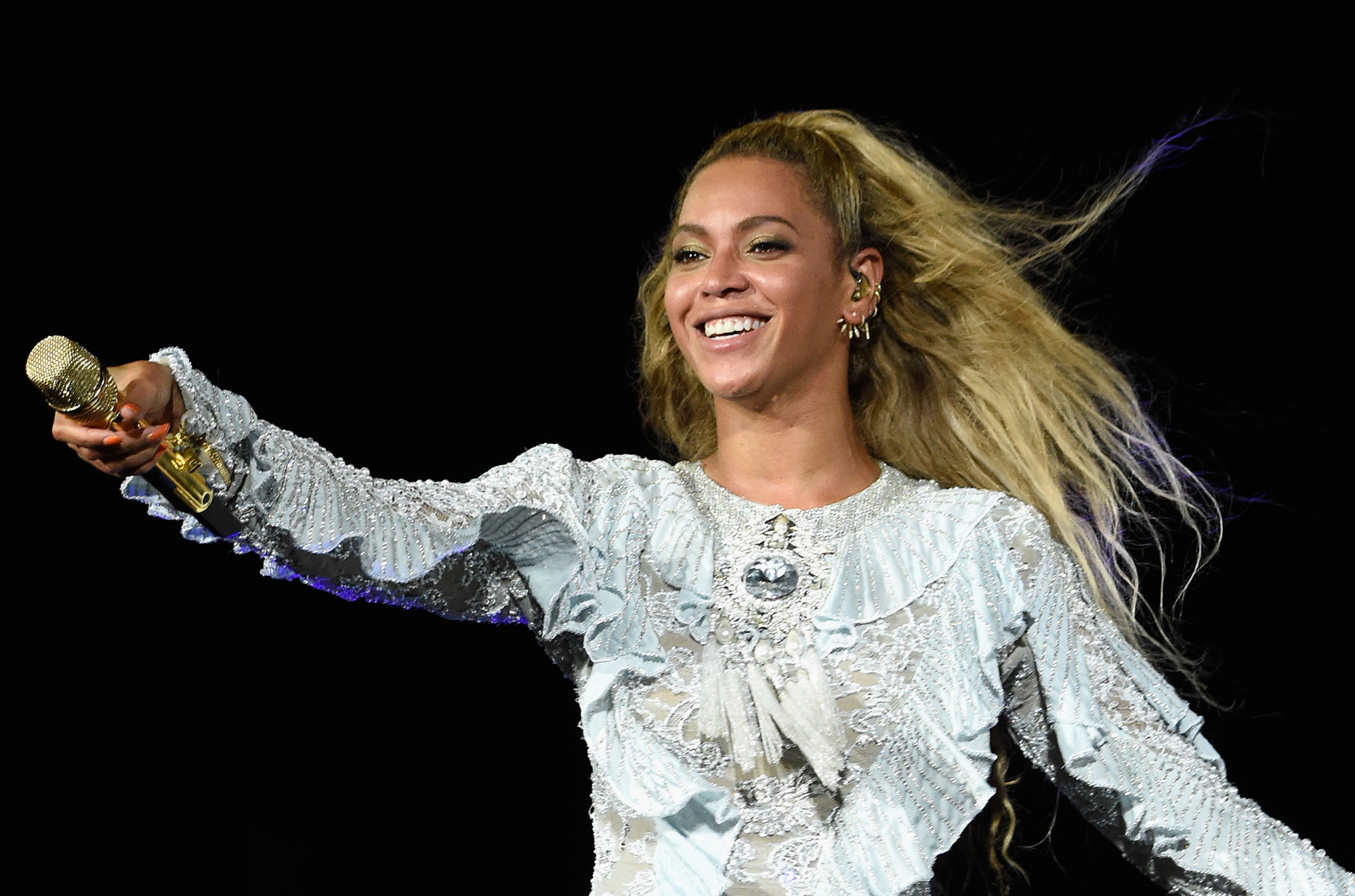 Beyonce performs on stage during  The Formation World Tour  in Santa Clara, California. (Photo by Kevin Mazur/WireImage)