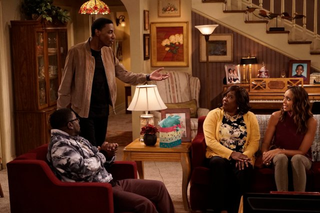 "THE CARMICHAEL SHOW -- ""Fallen Heroes"" Episode 202 -- Pictured: (l-r) Lil Rel Howery as Bobby Carmichael, Jerrod Carmichael as Jerrod Carmichael, Loretta Devine as Cynthia Carmichael, Amber Stevens West as Maxine -- (Photo by: Chris Haston/NBC)"