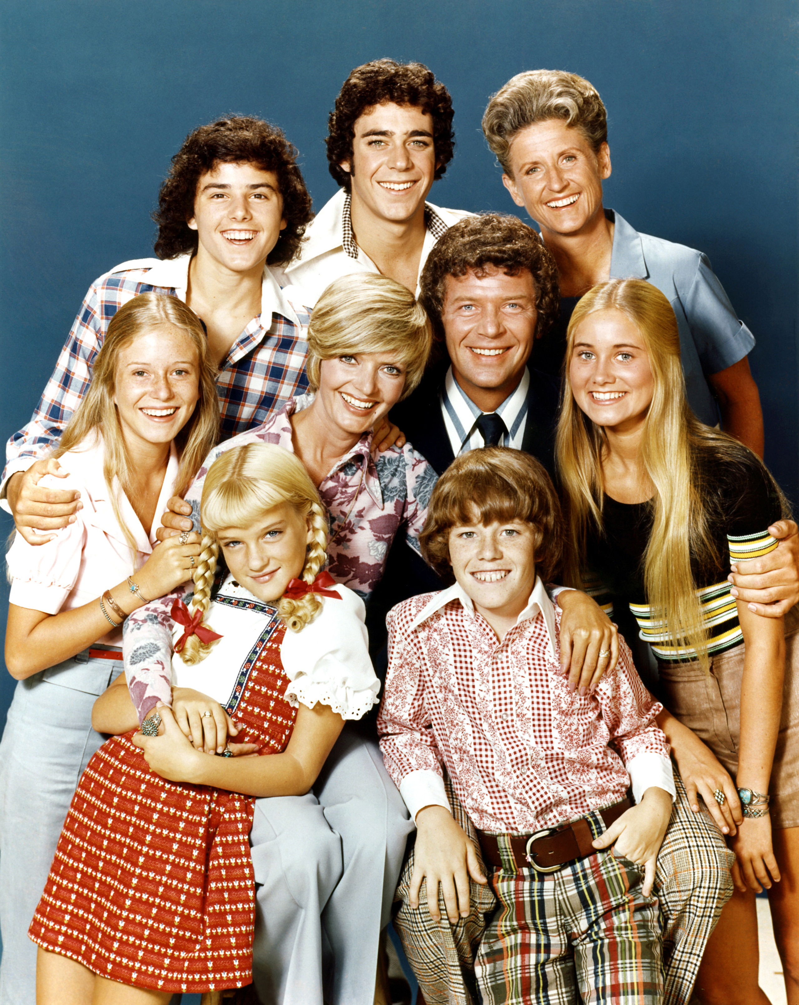 Pictured, top row: Christopher Knight (Peter), Barry Williams (Greg), Ann B. Davis (Alice); middle row: Eve Plumb (Jan), Florence Henderson (Carol), Robert Reed (Mike), Maureen McCormick (Marcia); bottom row: Susan Olsen (Cindy), Mike Lookinland (Bobby) on Sept. 14, 1973.
