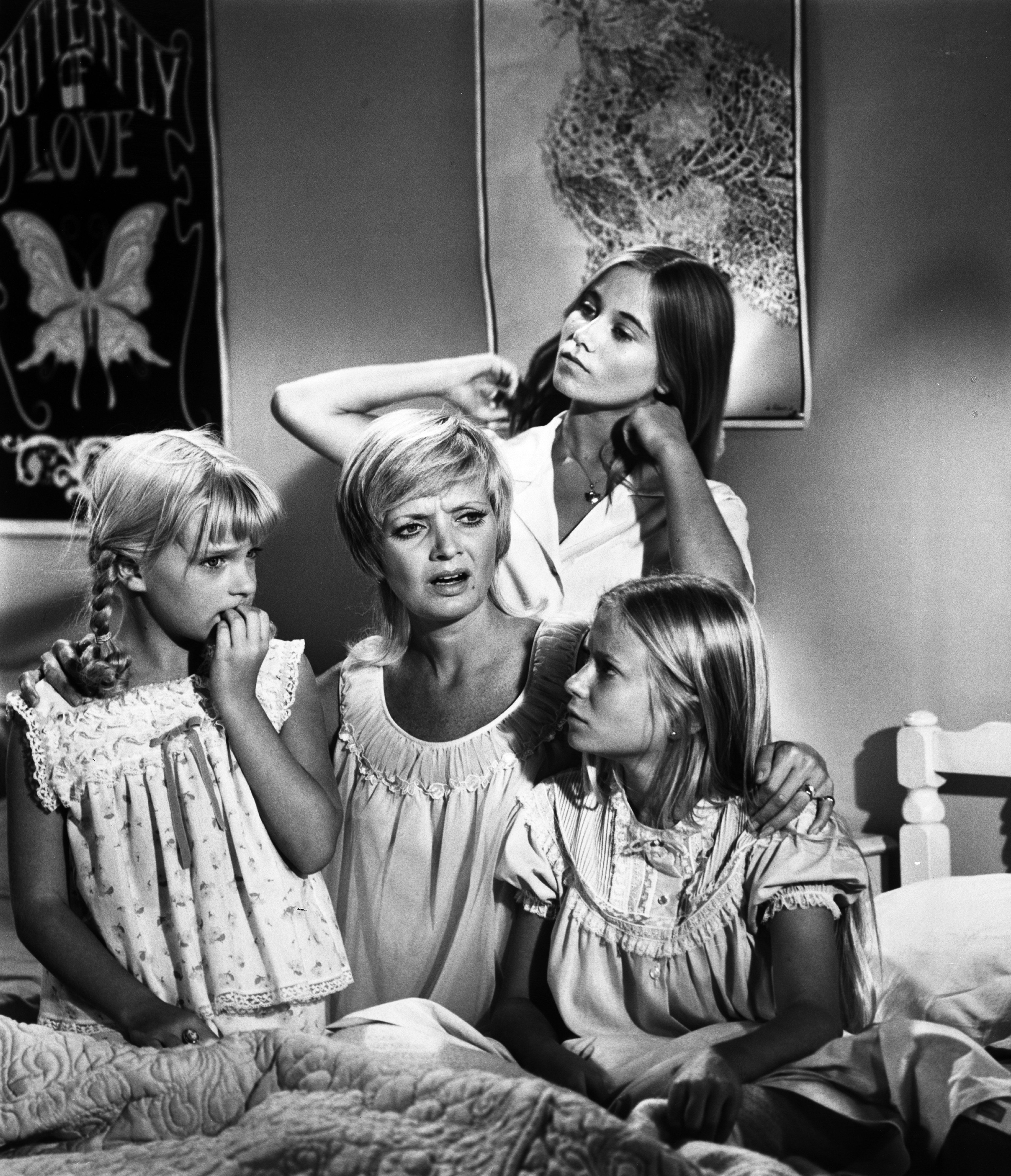 Florence Henderson talks to her co-stars during The Brady Bunch episode  Fright Night,  on Oct. 27, 1972.