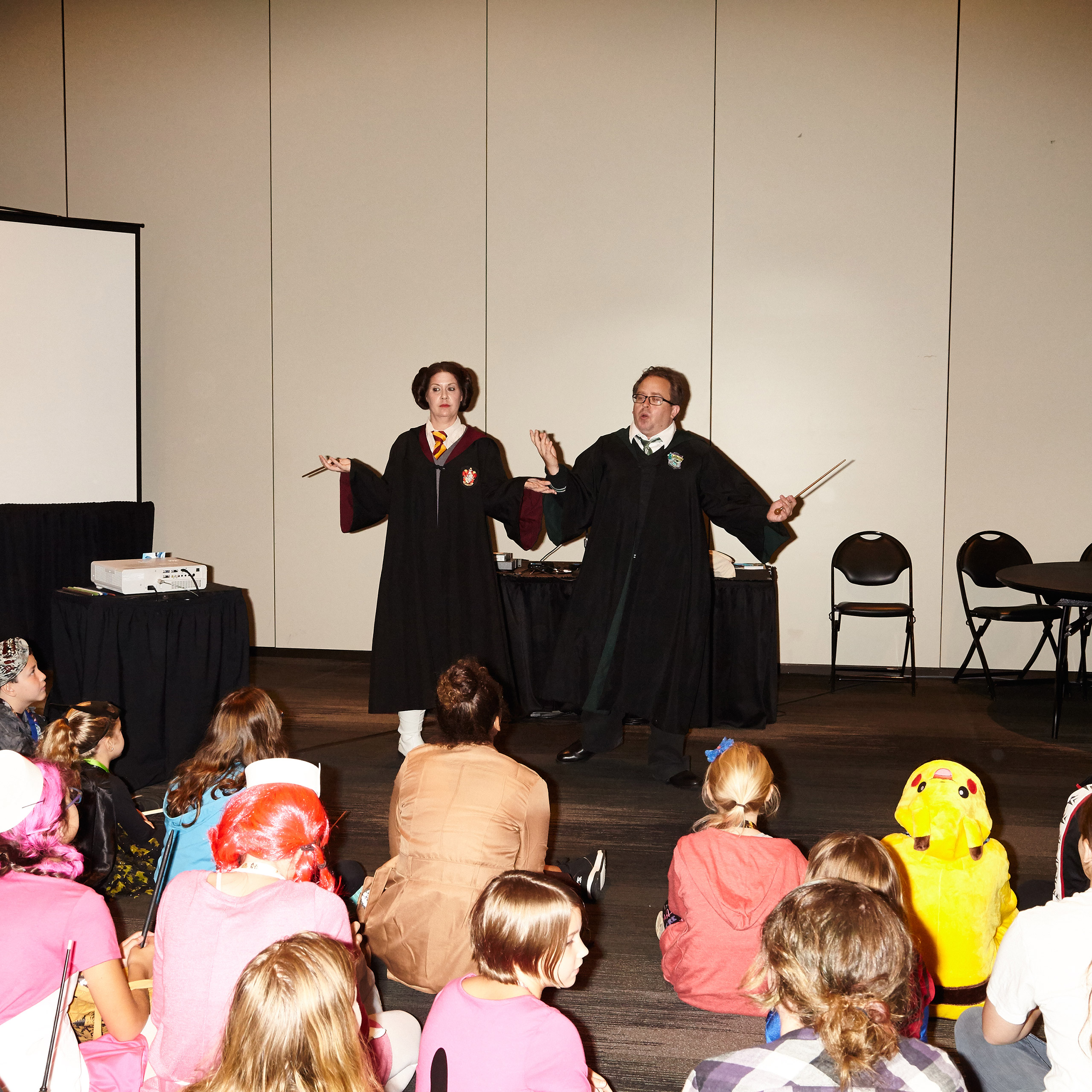 Wand dualing workshop for kids at New York Comic con.