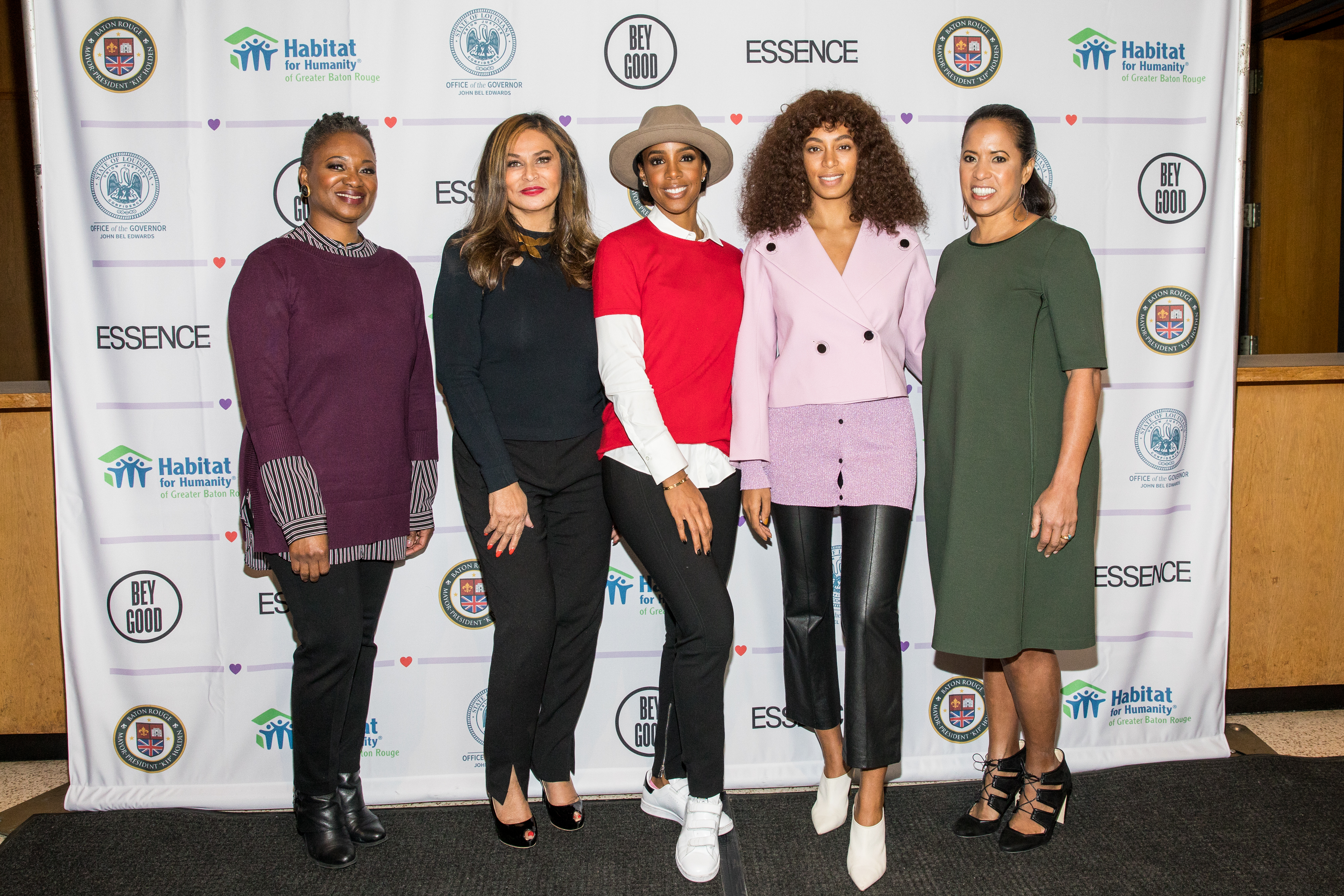 BATON ROUGE, LA - NOVEMBER 20: (L-R) Vanessa De Luca, Tina Knowles-Lawson, Kelly Rowland, Solange Knowles and Michelle Ebanks attend Love On Louisiana: An Essence hometown heroes tribute celebrating the resilience of the Baton Rouge community with Tina Knowles-Lawson, Solange Knowles and Kelly Rowland at the Baton Rouge River Center on November 20, 2016 in Baton Rouge, Louisiana.  (Photo by Josh Brasted/Getty Images for Essence)