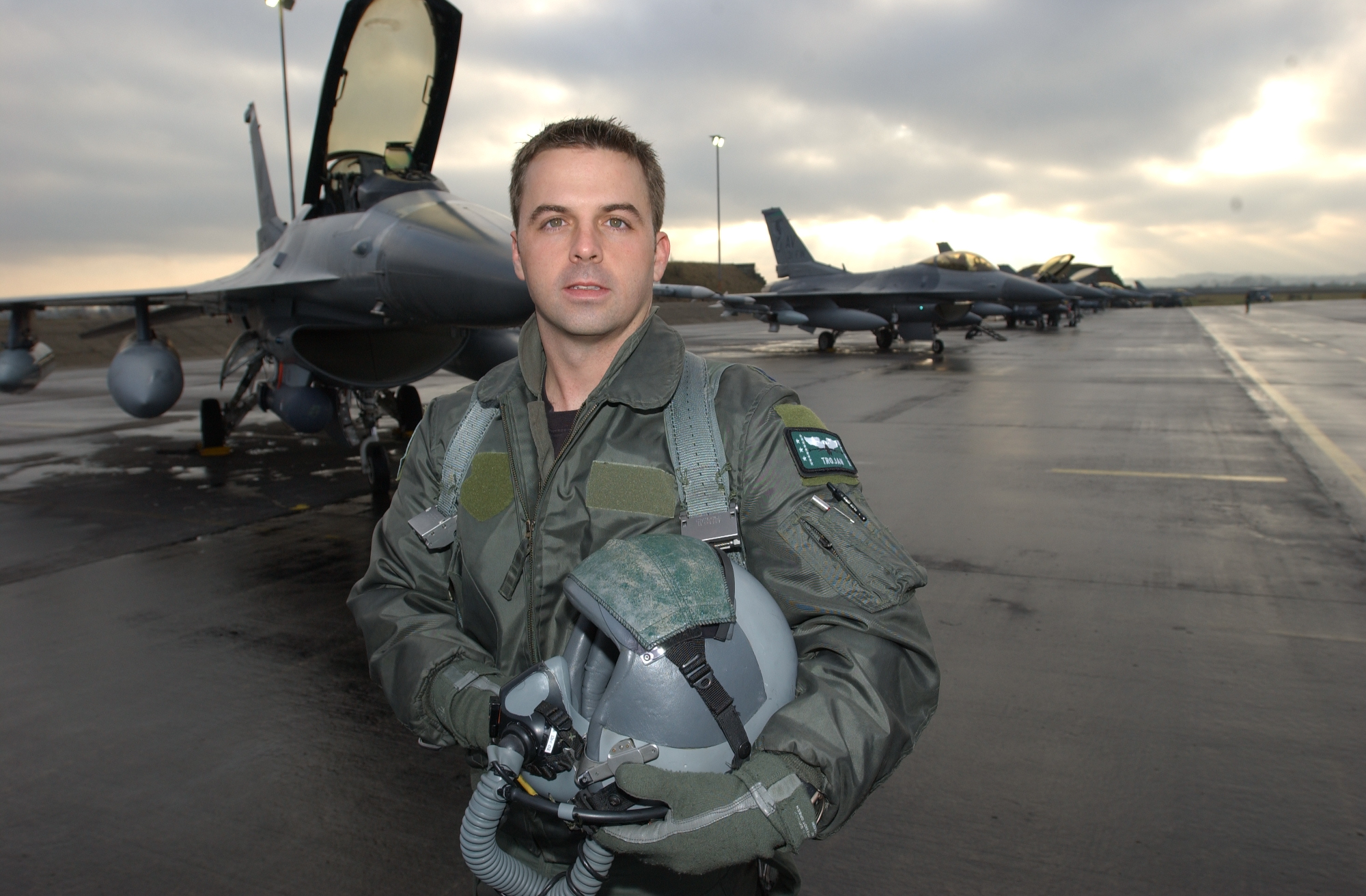 Troy Gilbert in 2002 on the flight line at Incirlik air base, Turkey, where he was helping enforce the no-fly zone over northern Iraq