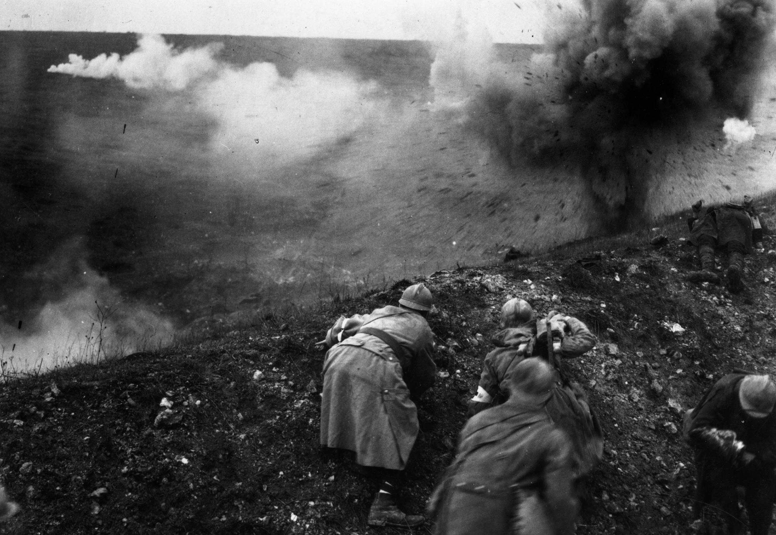 French troops under shellfire during the Battle of Verdun. 1916.