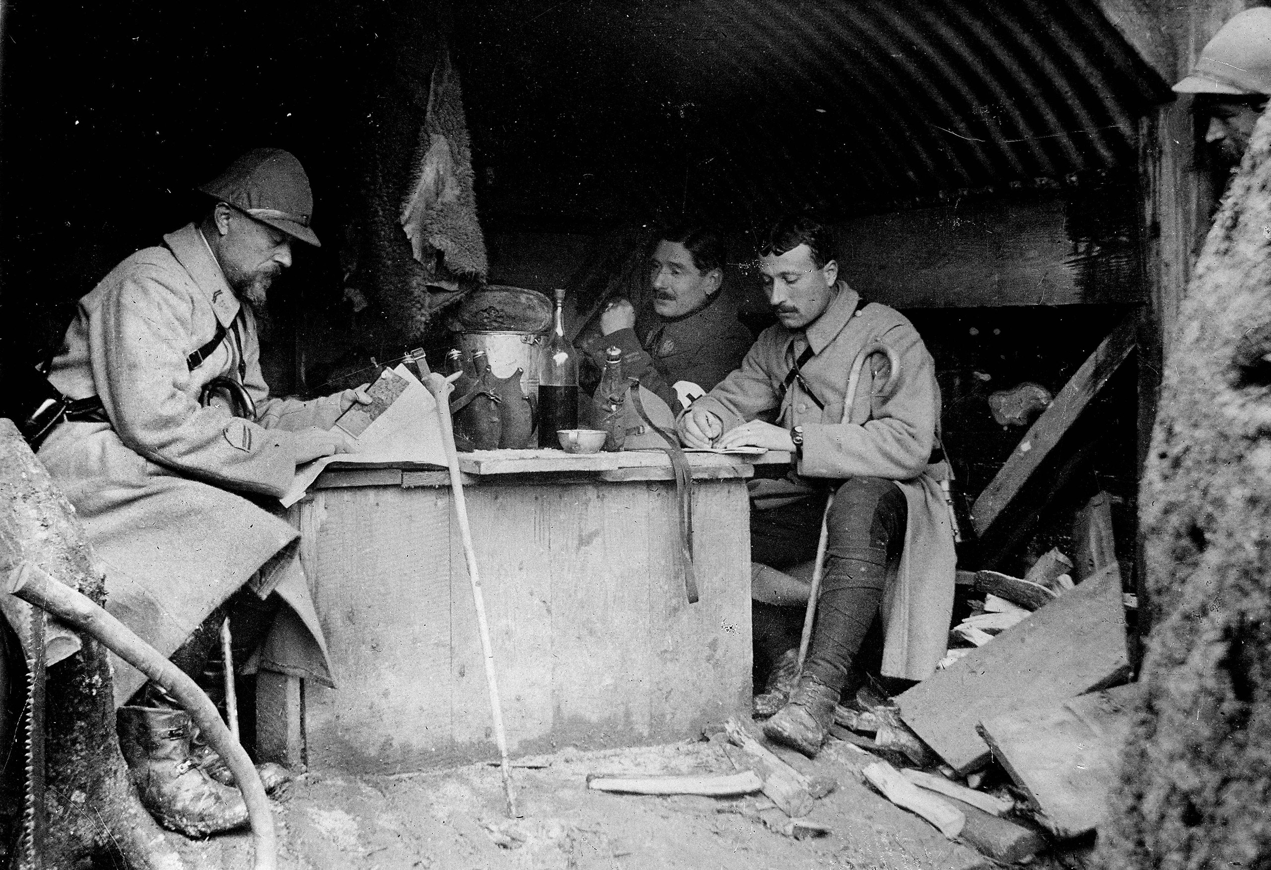 World War One, Battle of Verdun. Shelter made of corrugated iron and used as headquarters for French machine gunners near Verdun, 1916.