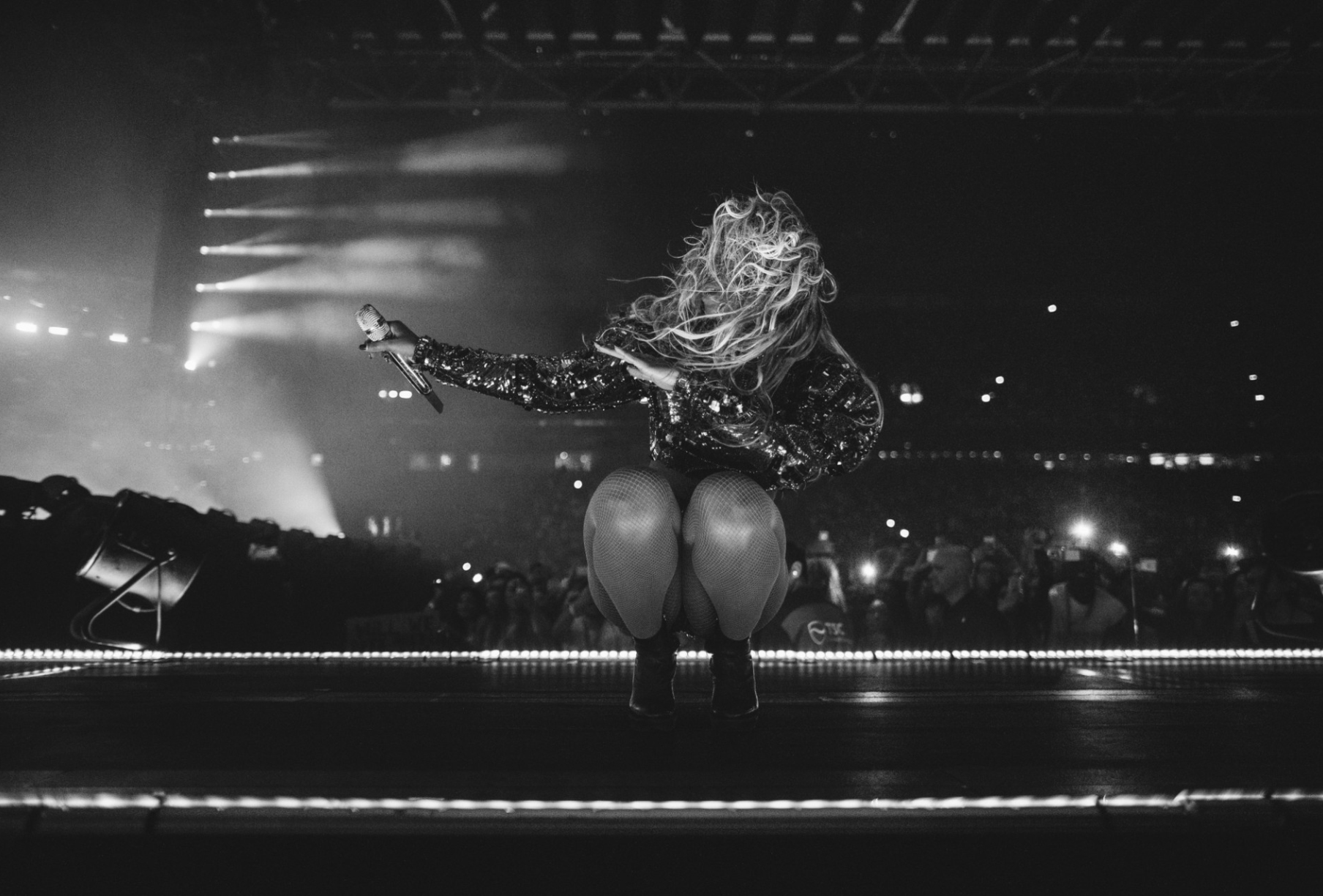 Beyoncé performs for the crowd in Amsterdam during the Formation World Tour 2016.