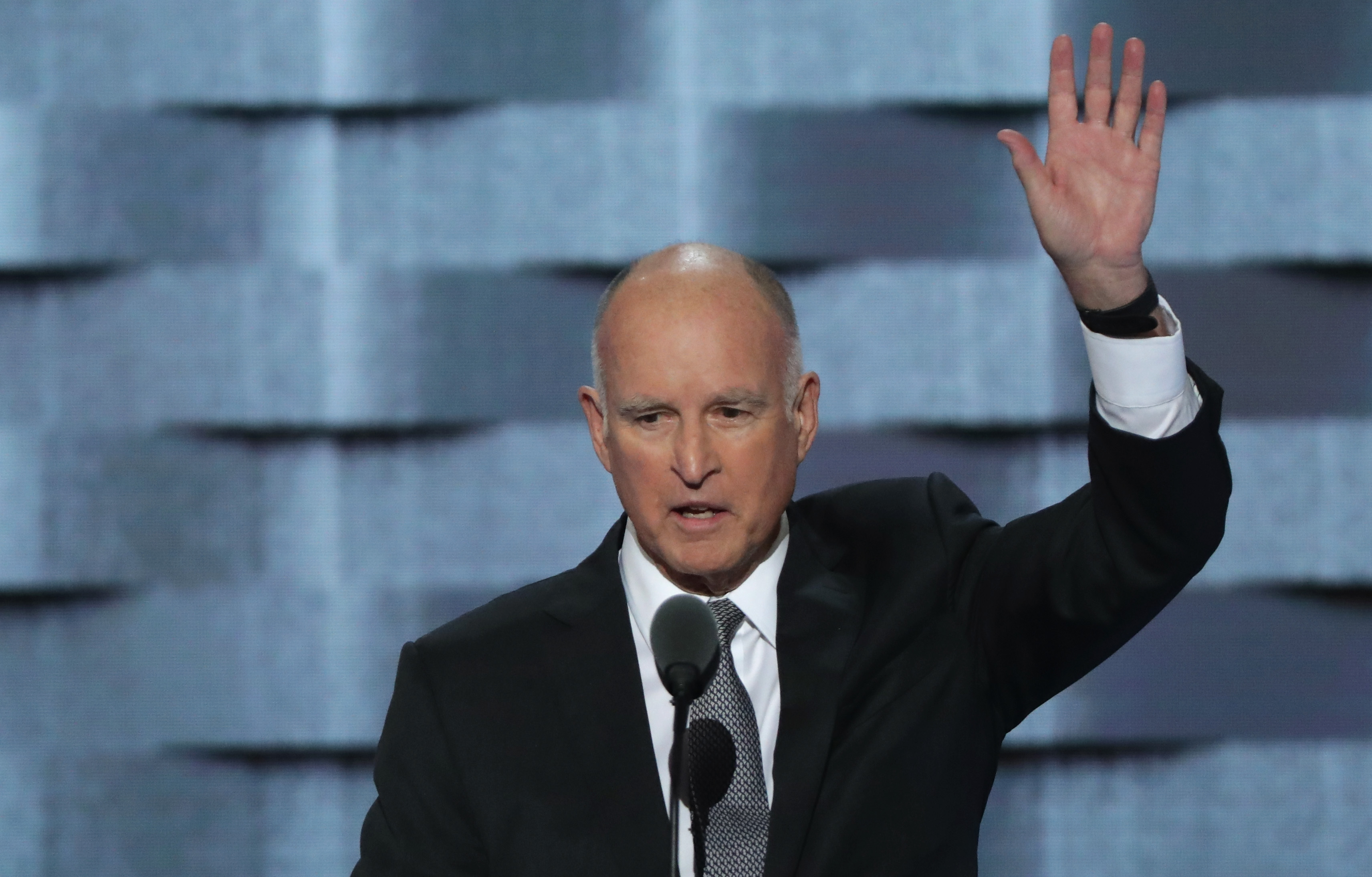 California Governor Jerry Brown delivers remarks on the third day of the Democratic National Convention at the Wells Fargo Center, July 27, 2016 in Philadelphia, Pennsylvania.