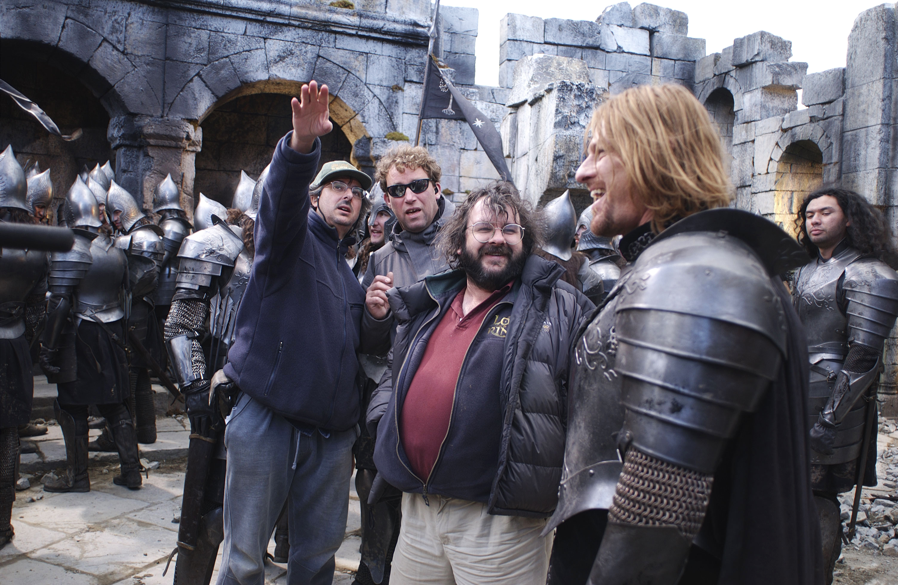 Peter Jackson and Sean Bean filming The Lord of the Rings: The Two Towers, 2002.