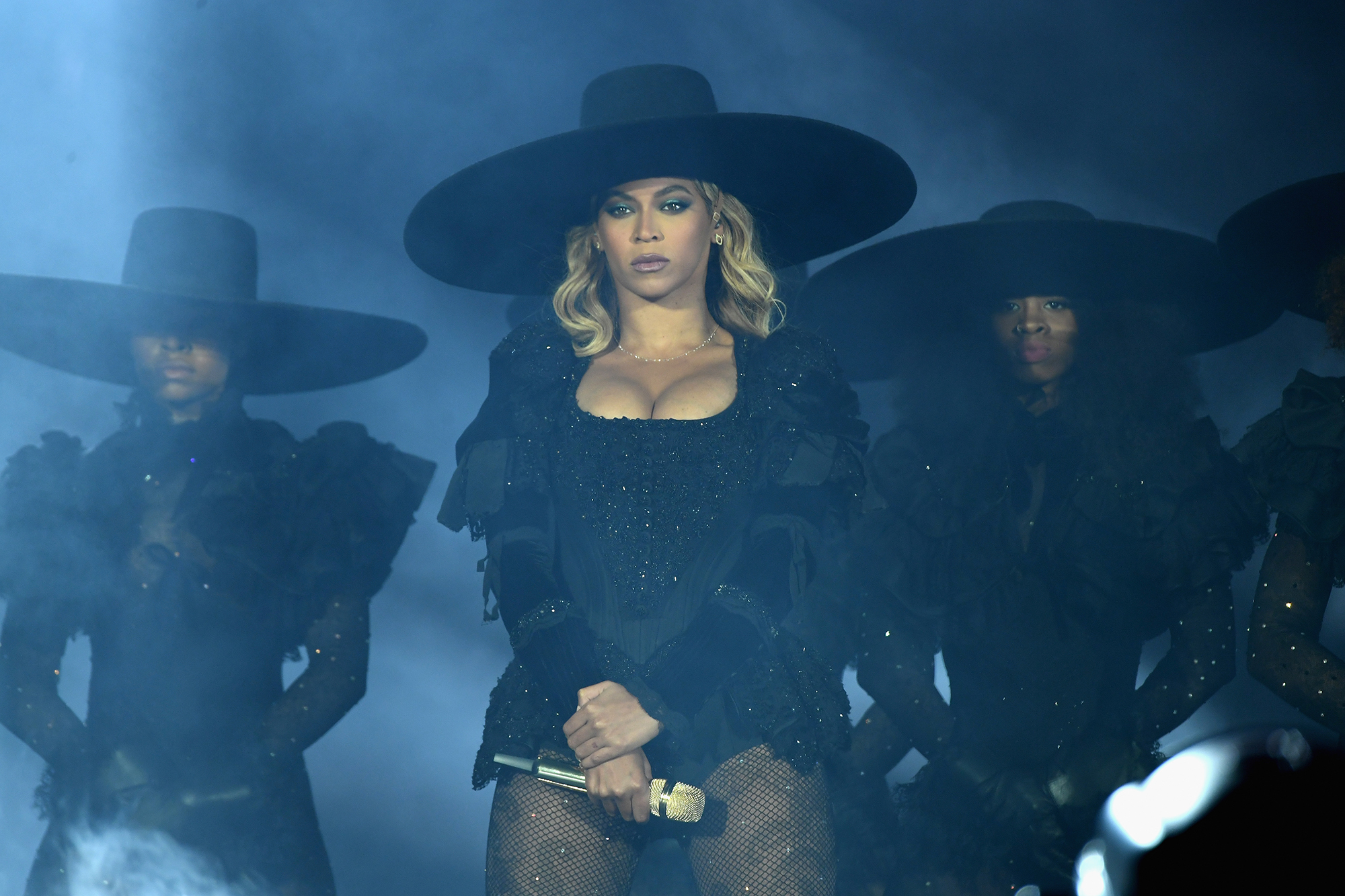 Beyonce performs on stage during  The Formation World Tour  at the Citi Field on June 7, 2016 (Photo by Larry Busacca/PW/WireImage For Parkwood Entertainment)