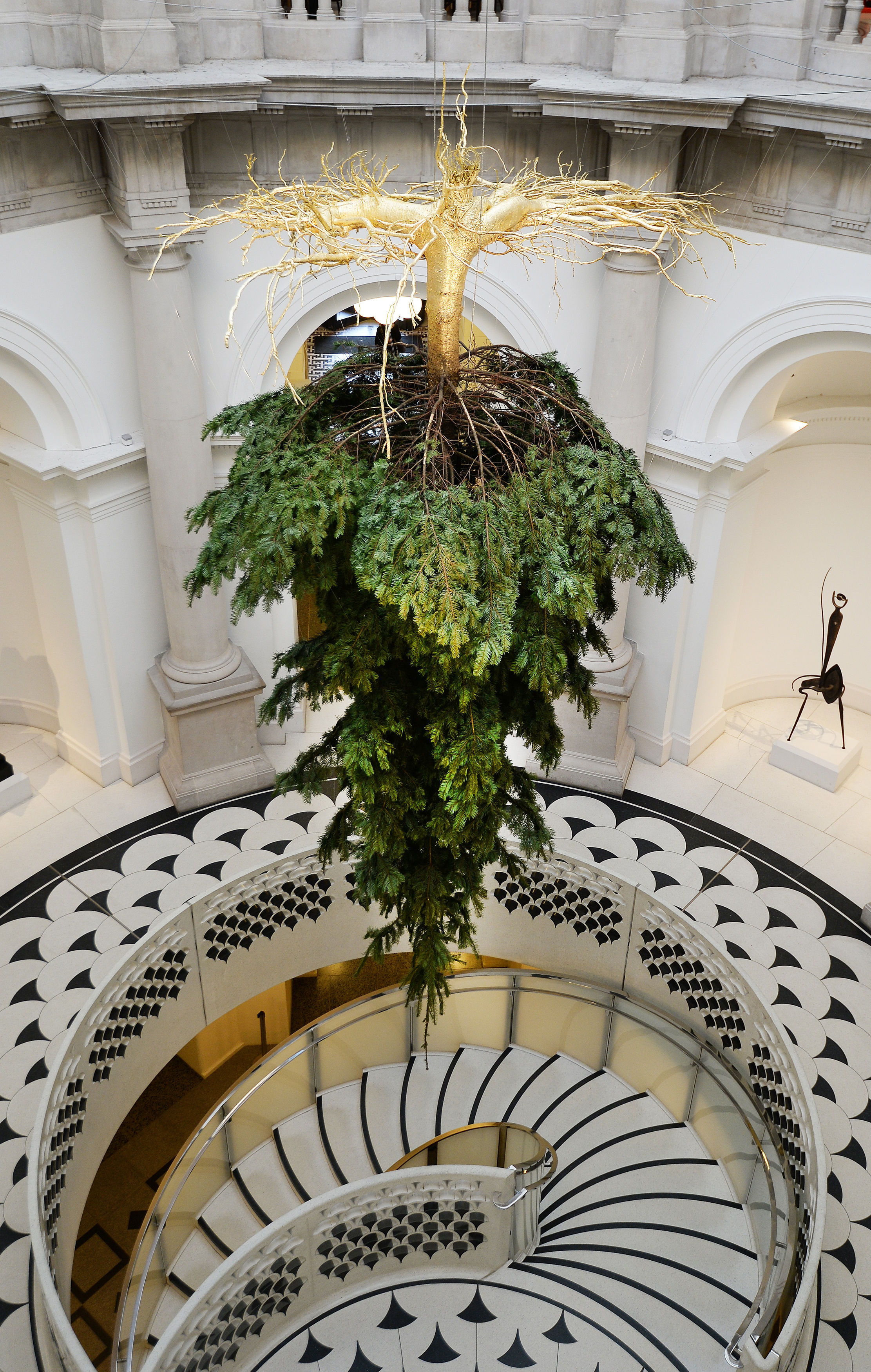 Tate Britain S Upside Down Christmas Tree First Look Photo Time