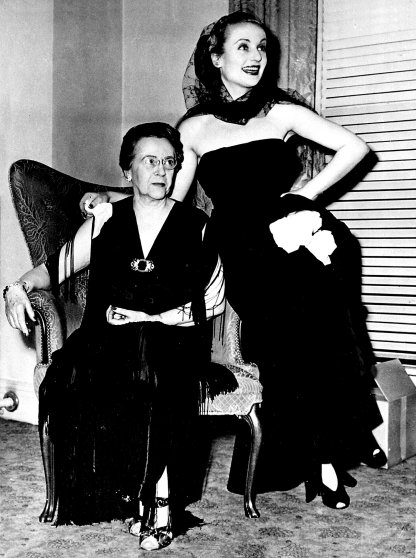 Last photo of Carole Lombard and her mother, January 1942.