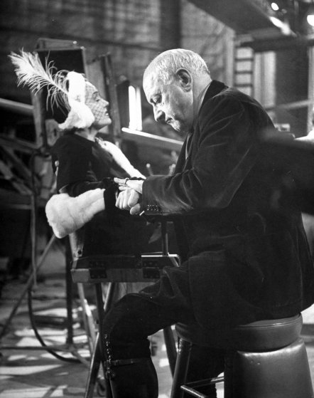 Gloria Swanson and Cecil B. DeMille during the shooting of the movie 'Sunset Blvd,' 1949.