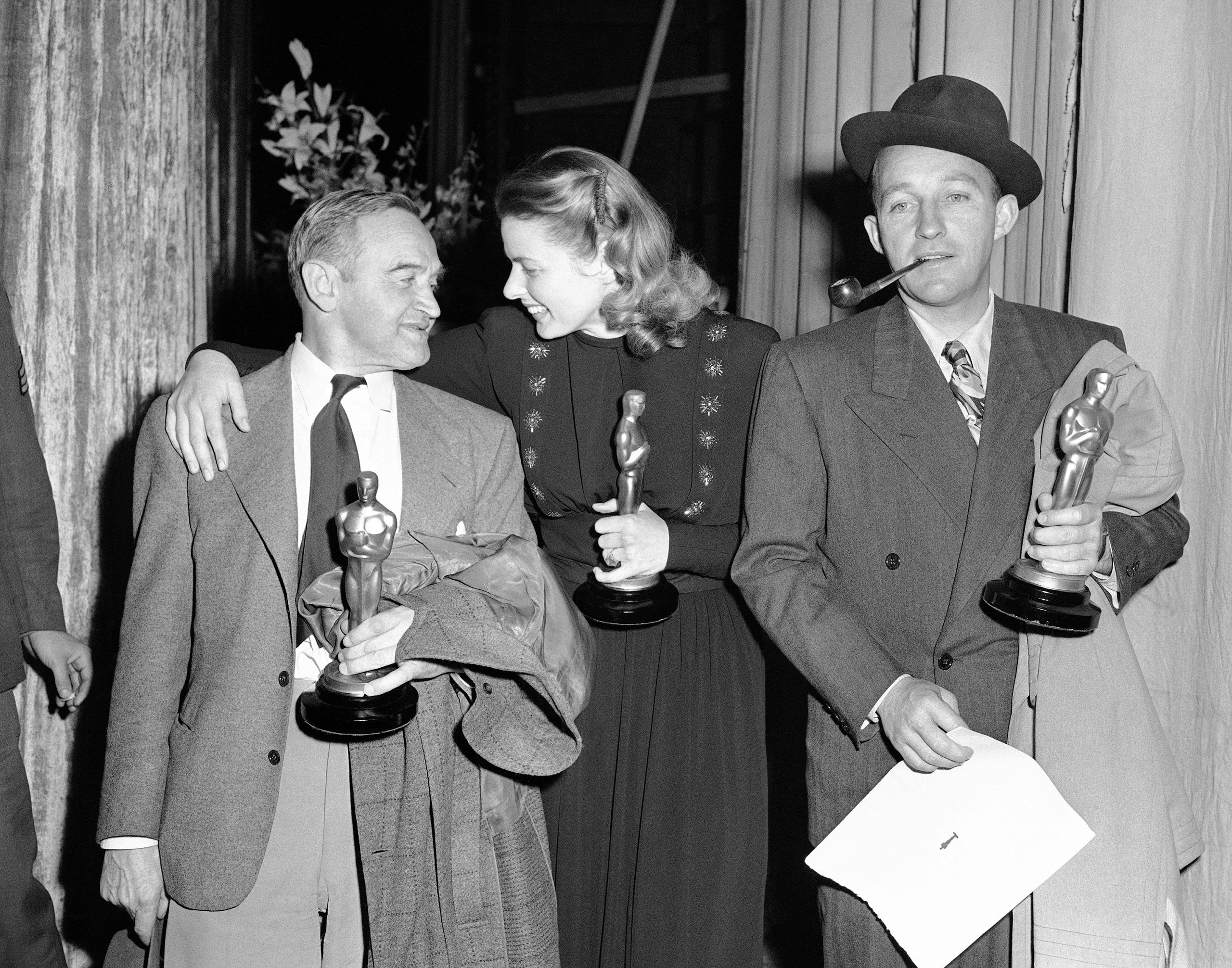 Barry Fitzgerald, Ingrid Bergman and Bing Crosby at the Academy Awards, 1945.
