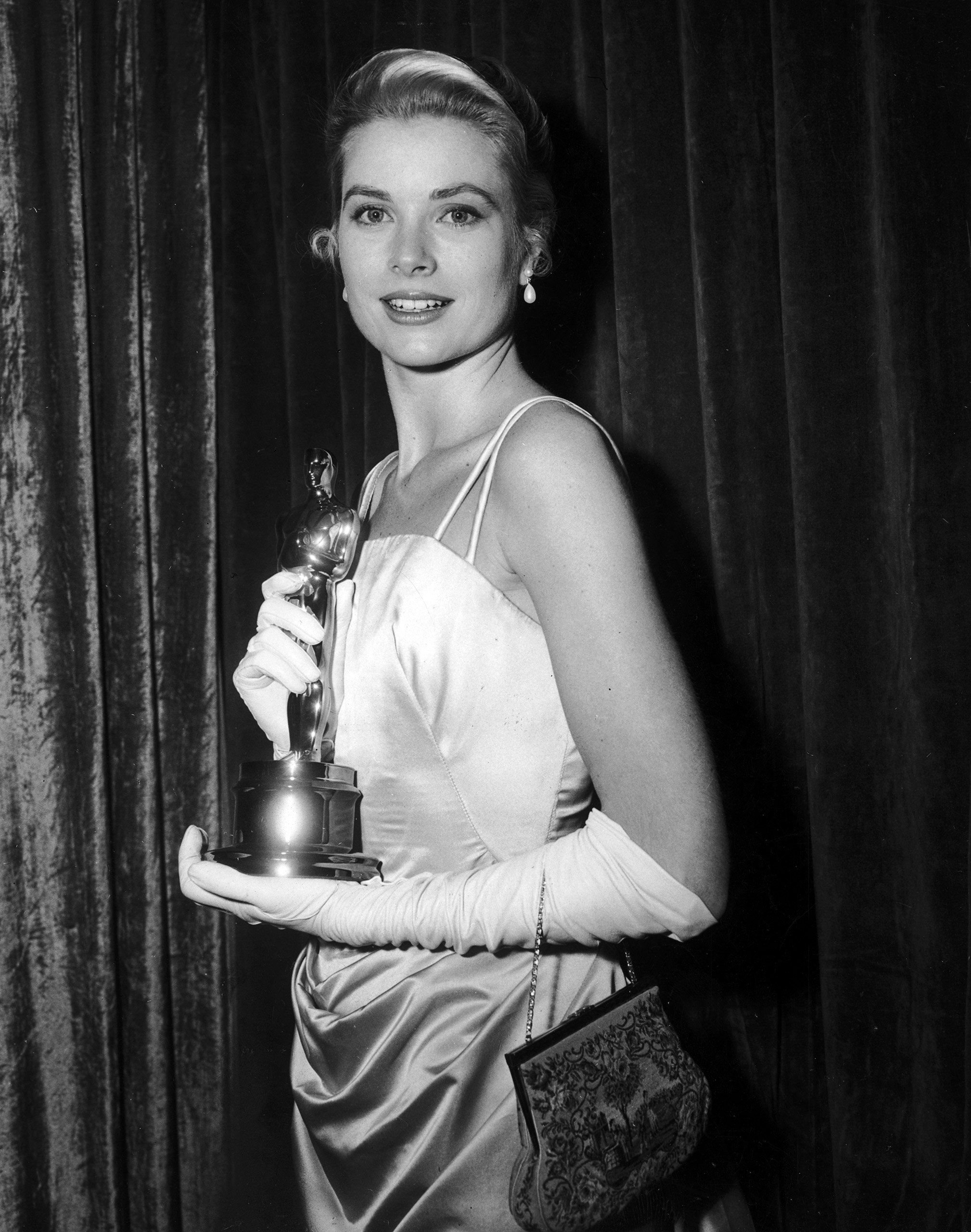 Grace Kelly at the Academy Awards, 1955.