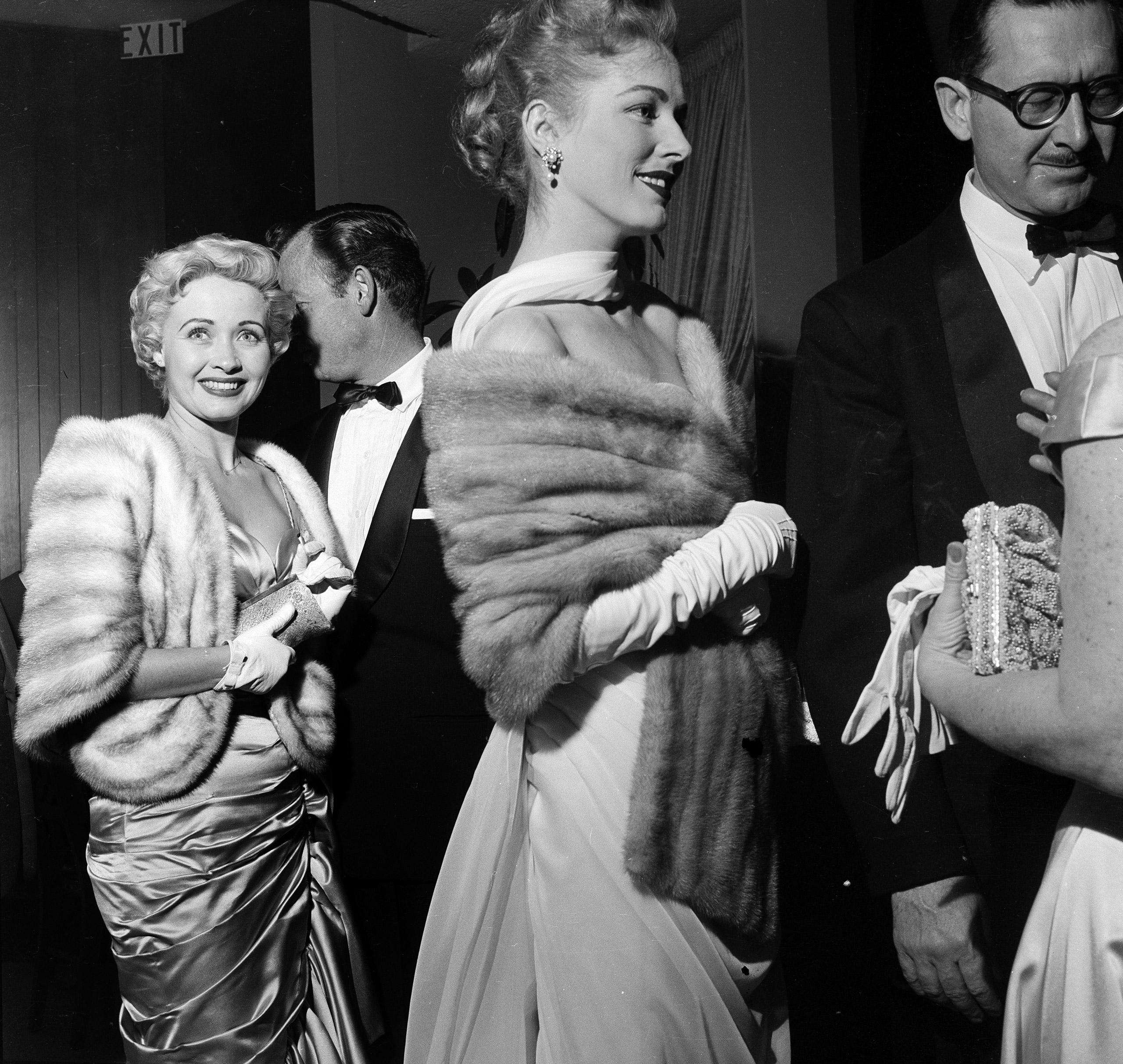 Eleanor Parker and husband  Paul Clemens attend the Academy Awards, 1956.