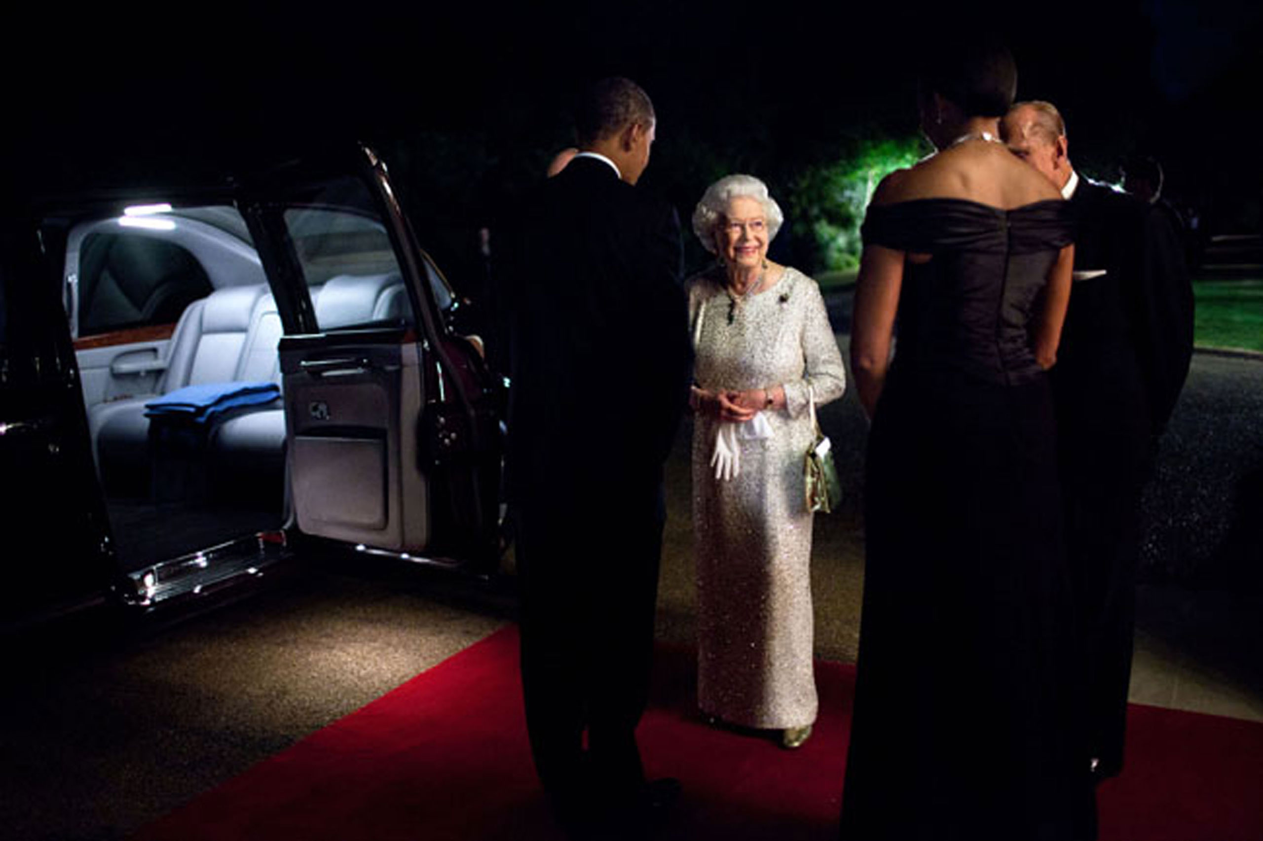 The President and First Lady bid farewell to Queen Elizabeth II and Prince Philip, Duke of Edinburgh, before they departed Winfield House in London following a dinner in honor of the Queen, May 25, 2011.