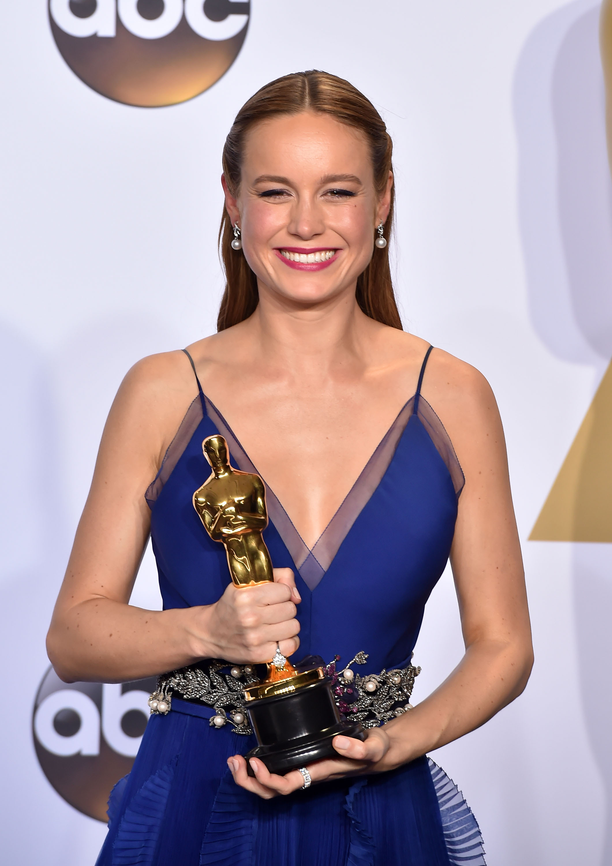 <strong>2016: Brie Larson - <i>Room</i></strong>