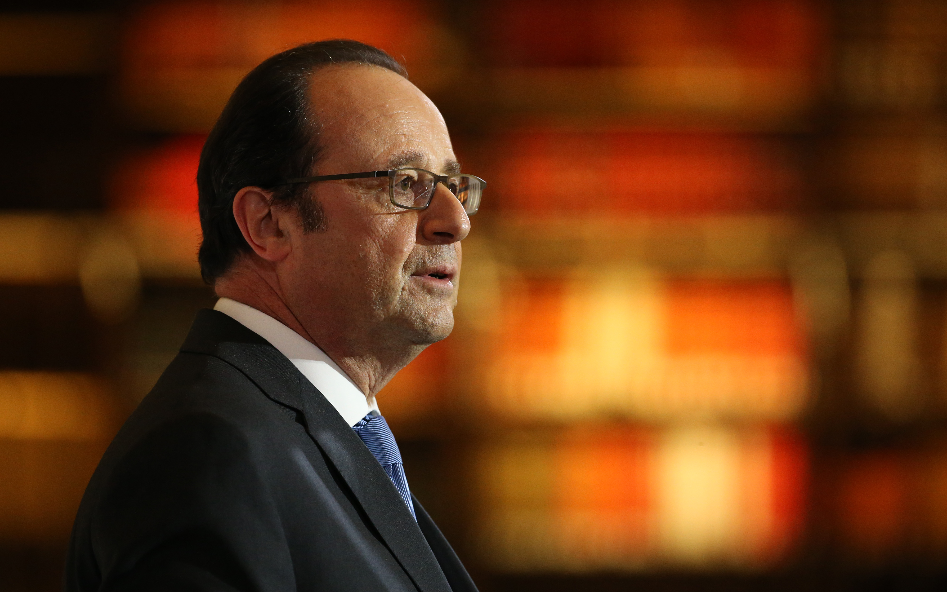 French President Francois Hollande gives a speech after visiting the renovated Bibliotheque nationale De France (BnF) at Salle Labrouste on rue de Richelieu site on January 11, 2017 in Paris, France.