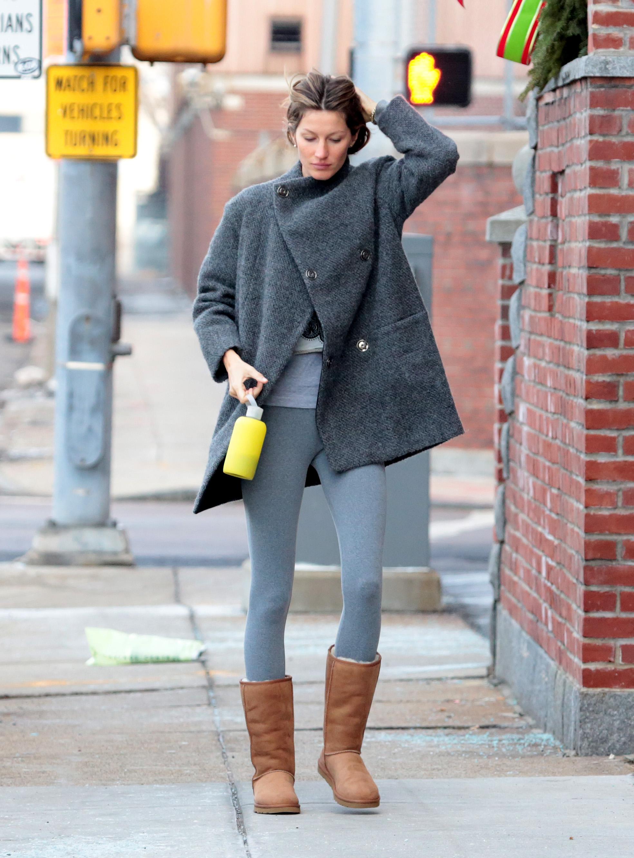 BOSTON, MA - DECEMBER 28: Gisele Bundchen is seen on December 28, 2013 in Boston, Massachusetts. (Photo by Stickman/Bauer-Griffin/GC Images)