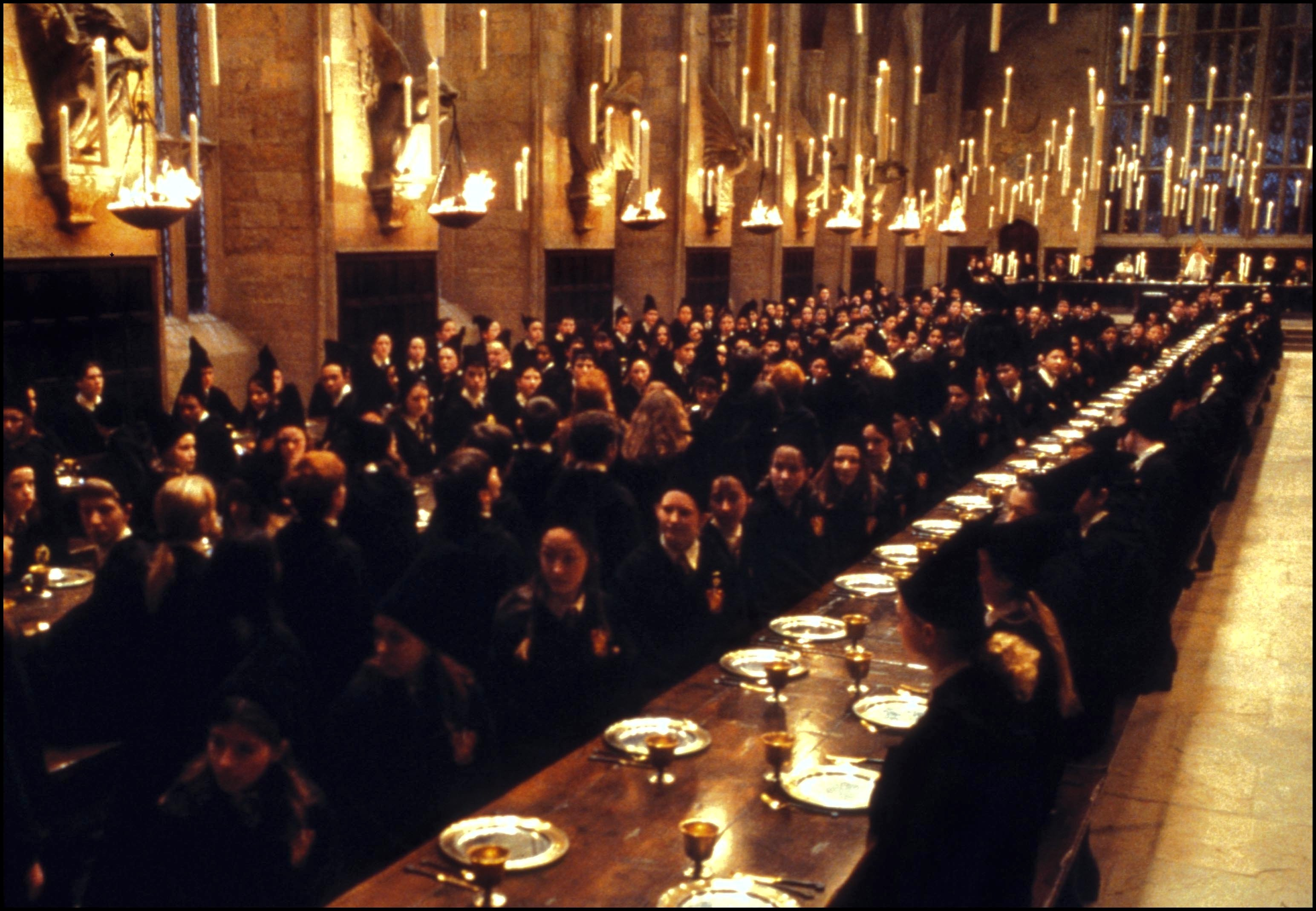 Film  Harry Potter and the philosopher's stone  In United States In November, 2001-The great hall.