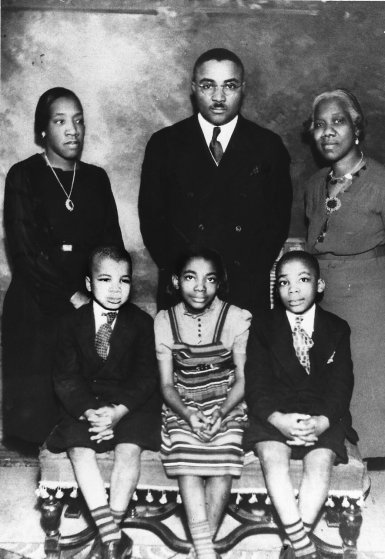 A family portrait of the Kings, taken in 1939. Clockwise: King, Sr.; mother-in-law, Mrs. Jeannie C. Parks Williams; son Martin Luther, Jr.; daughter, Christine; younger son, Alfred Daniel, and wife, Alberta Williams King.
