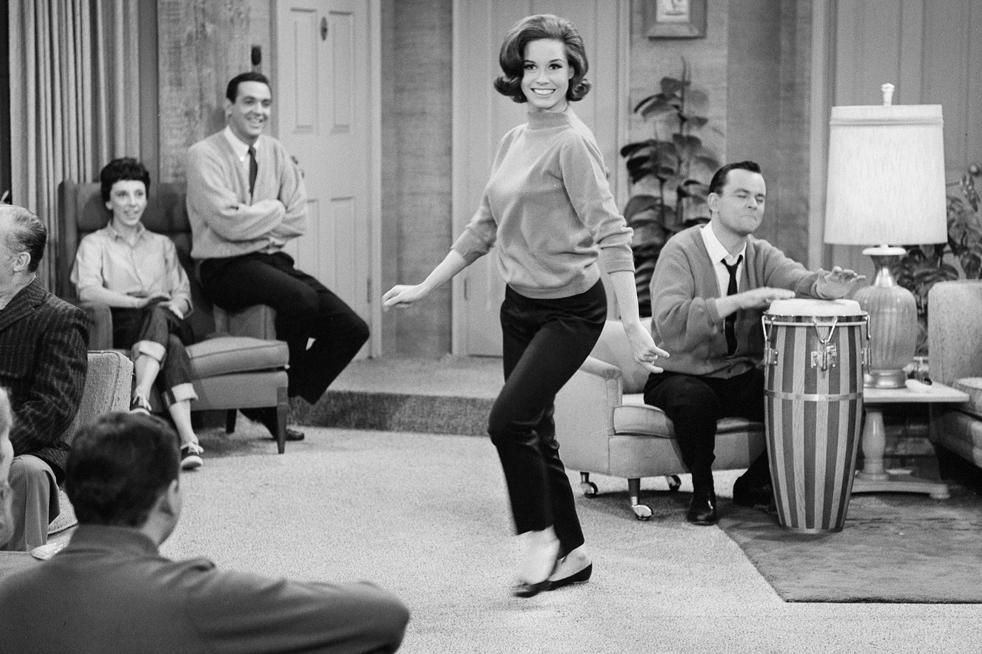 Mary Tyler Moore filming The Dick Van Dyke Show, on Nov. 13, 1962 in Los Angeles.